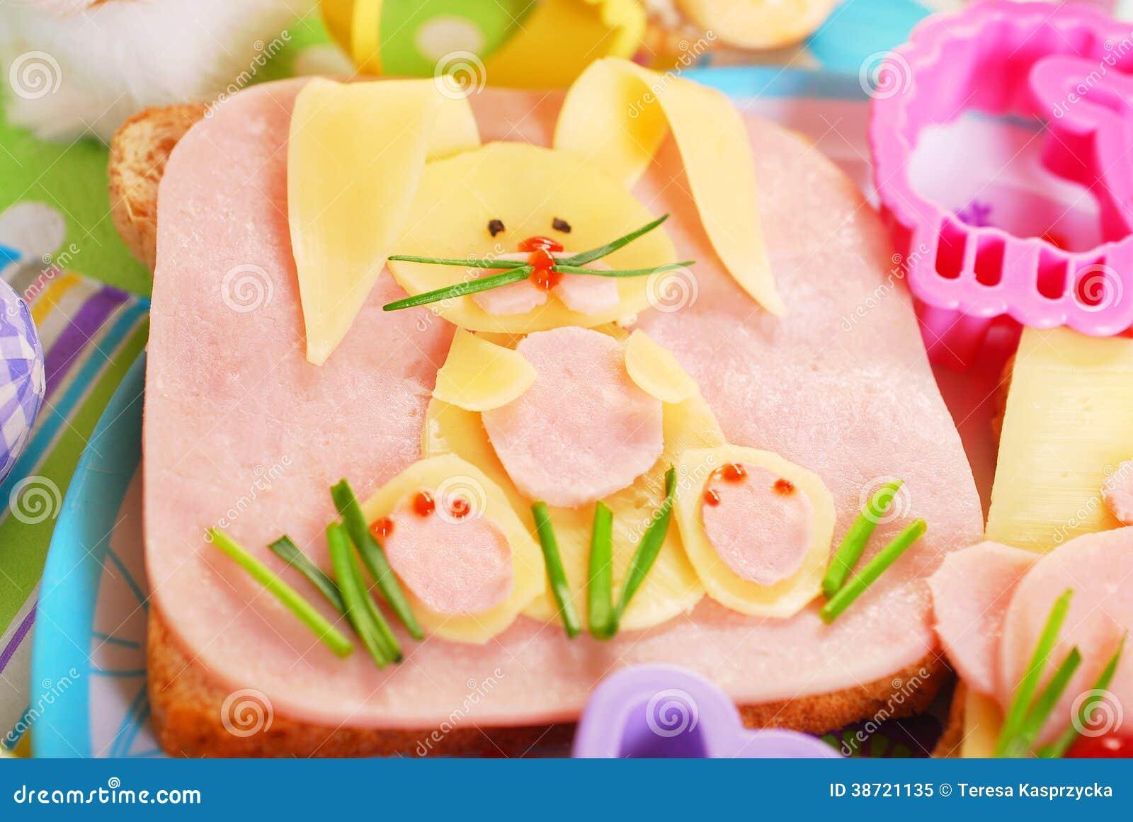 Påsksmörgås med kaninen för ungar