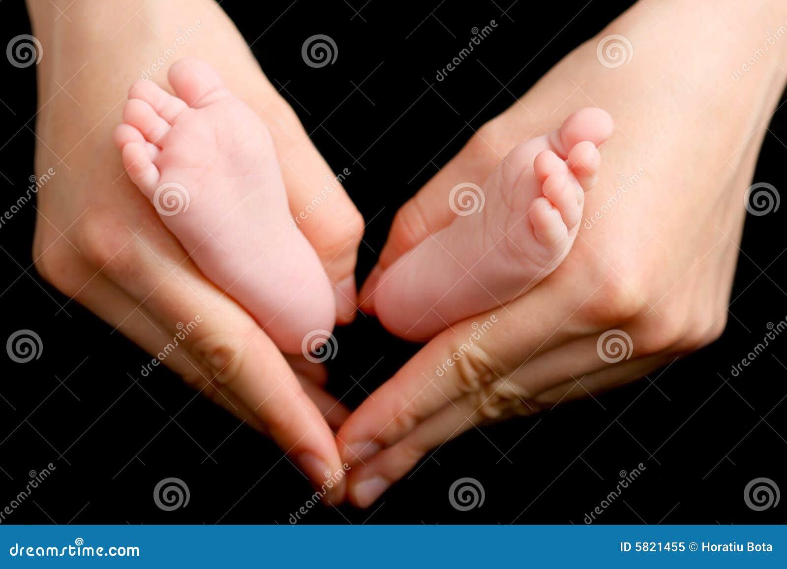 Pé recém-nascido do bebê