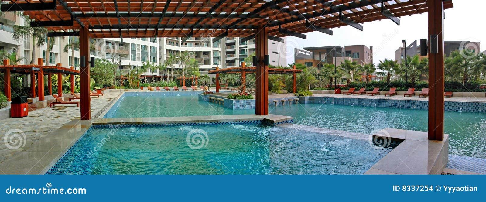 P rgola y piscina foto de archivo imagen de salud for Pergolas para piscinas