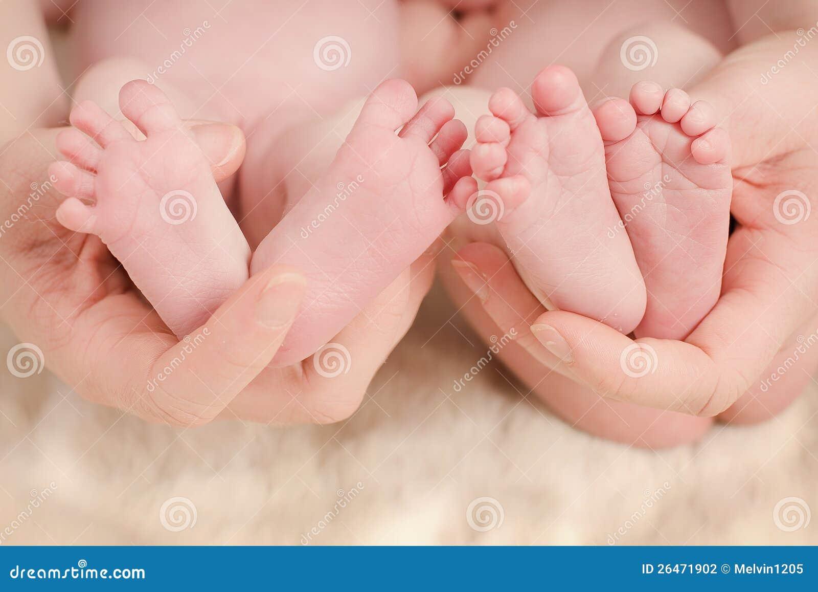 Pés dos bebês