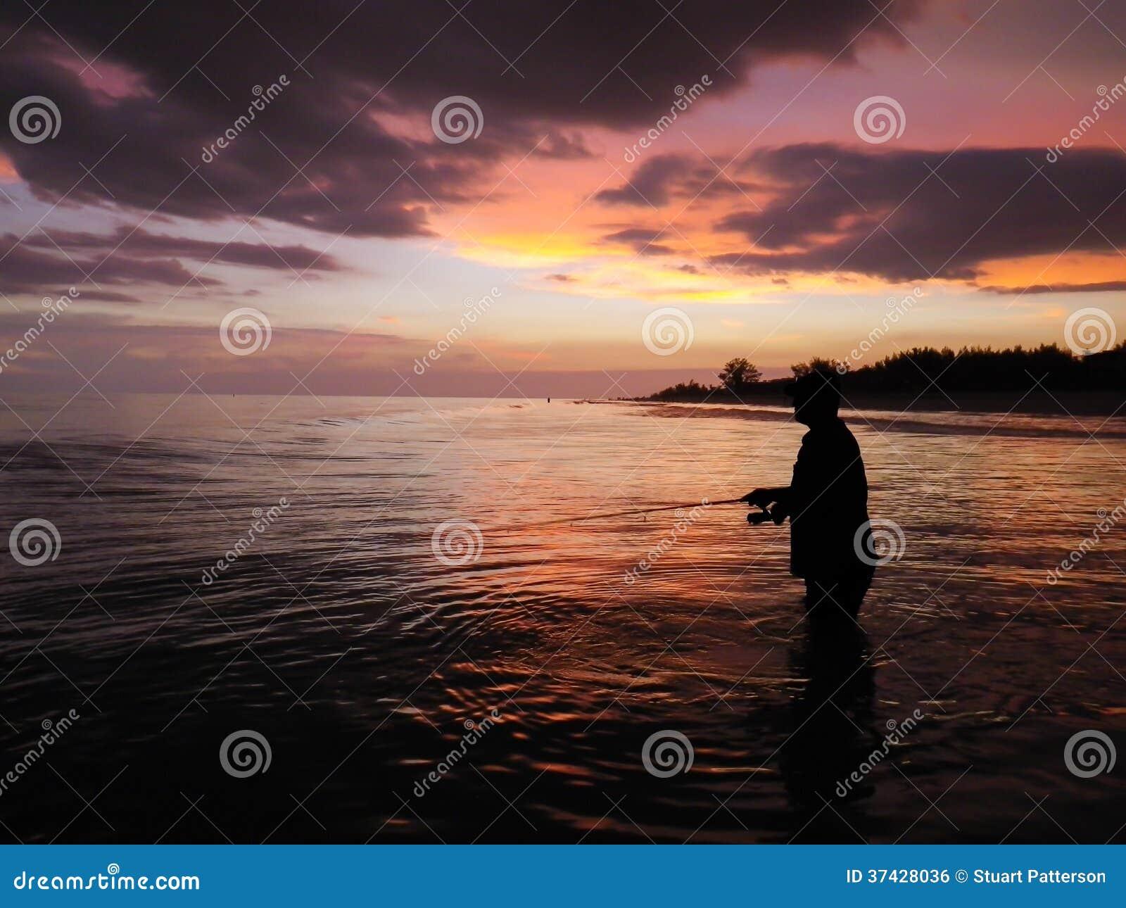 Pêche au coucher du soleil