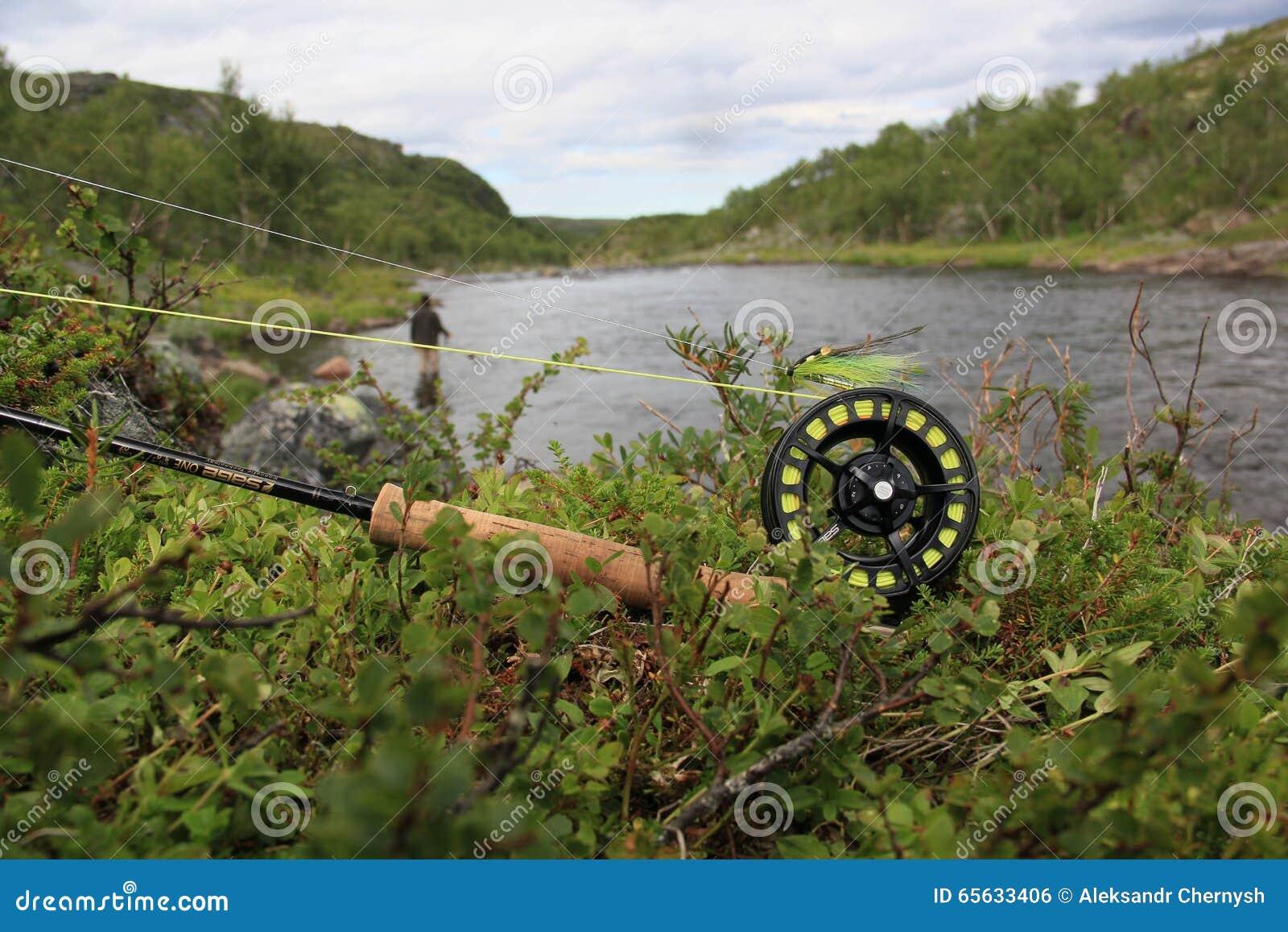 Pêche de mouche, tige, bobine, la rivière Salmon, pêcheur
