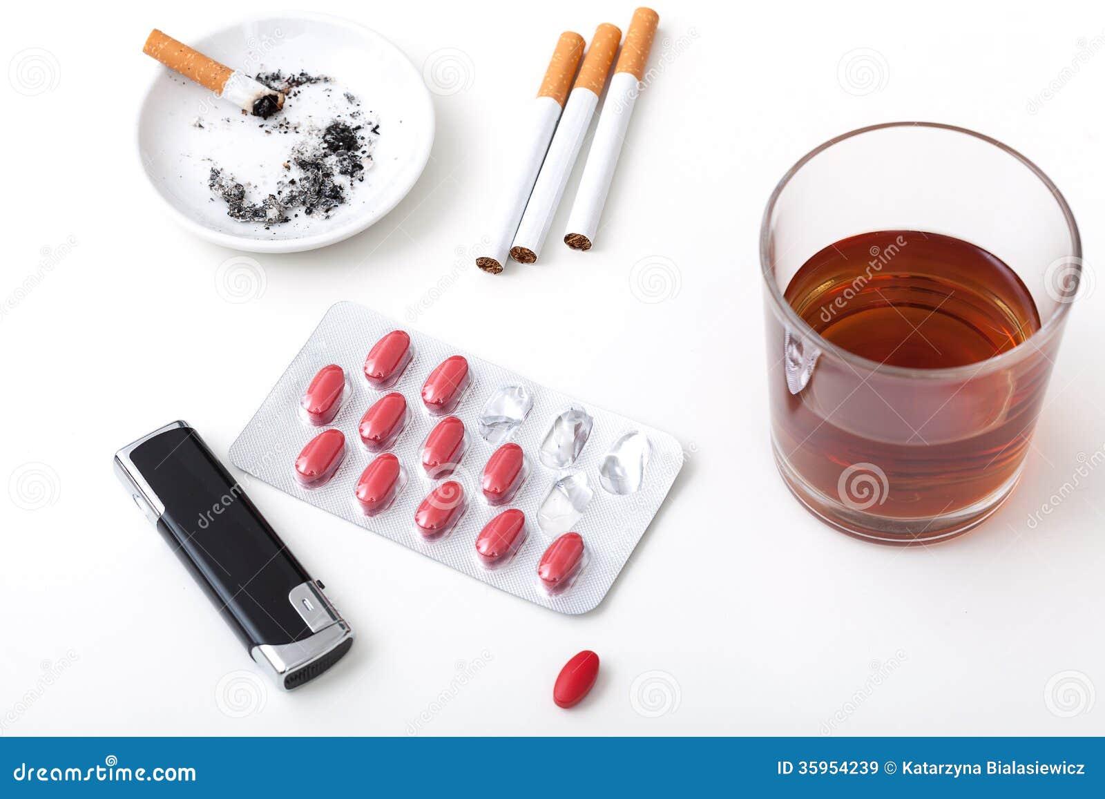 Píldoras de los cigarrillos del alcohol