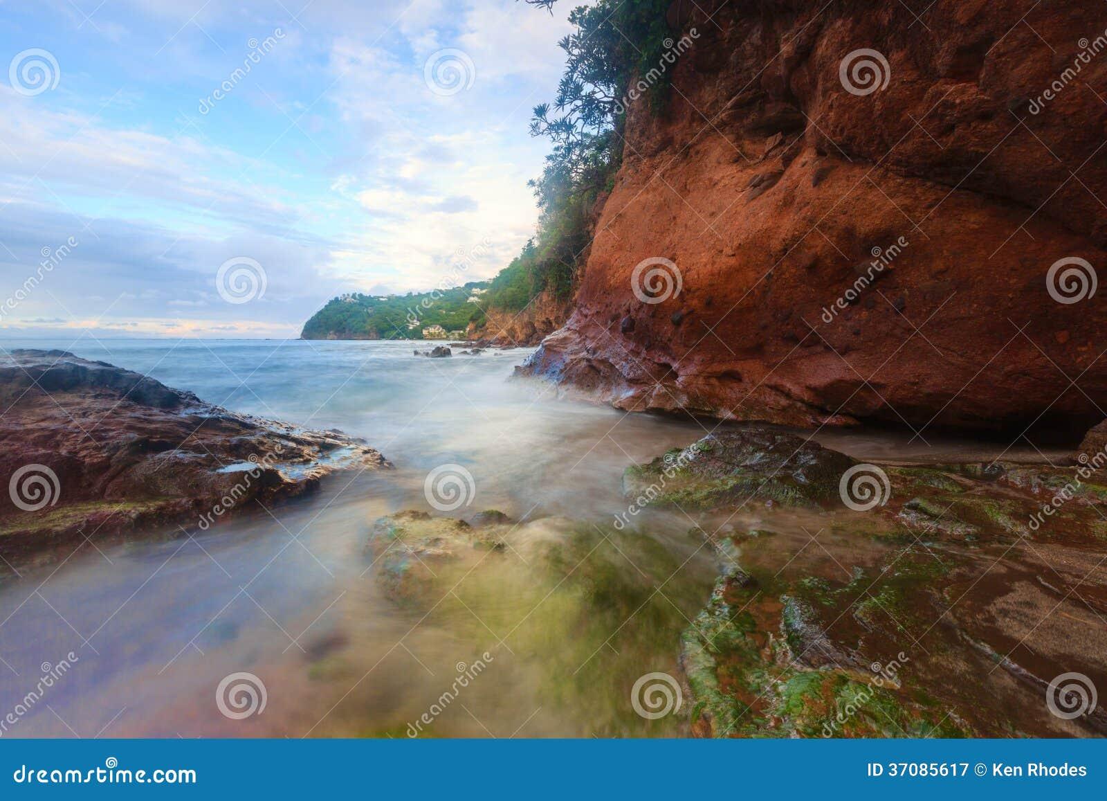 Download Północna świętego Lucia Linia Brzegowa Obraz Stock - Obraz złożonej z zmierzch, niebo: 37085617