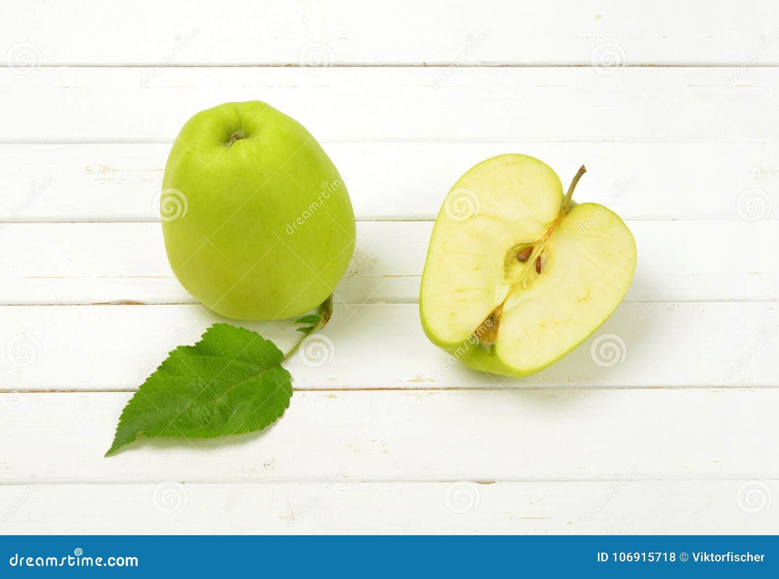 Półtora zielonych jabłek