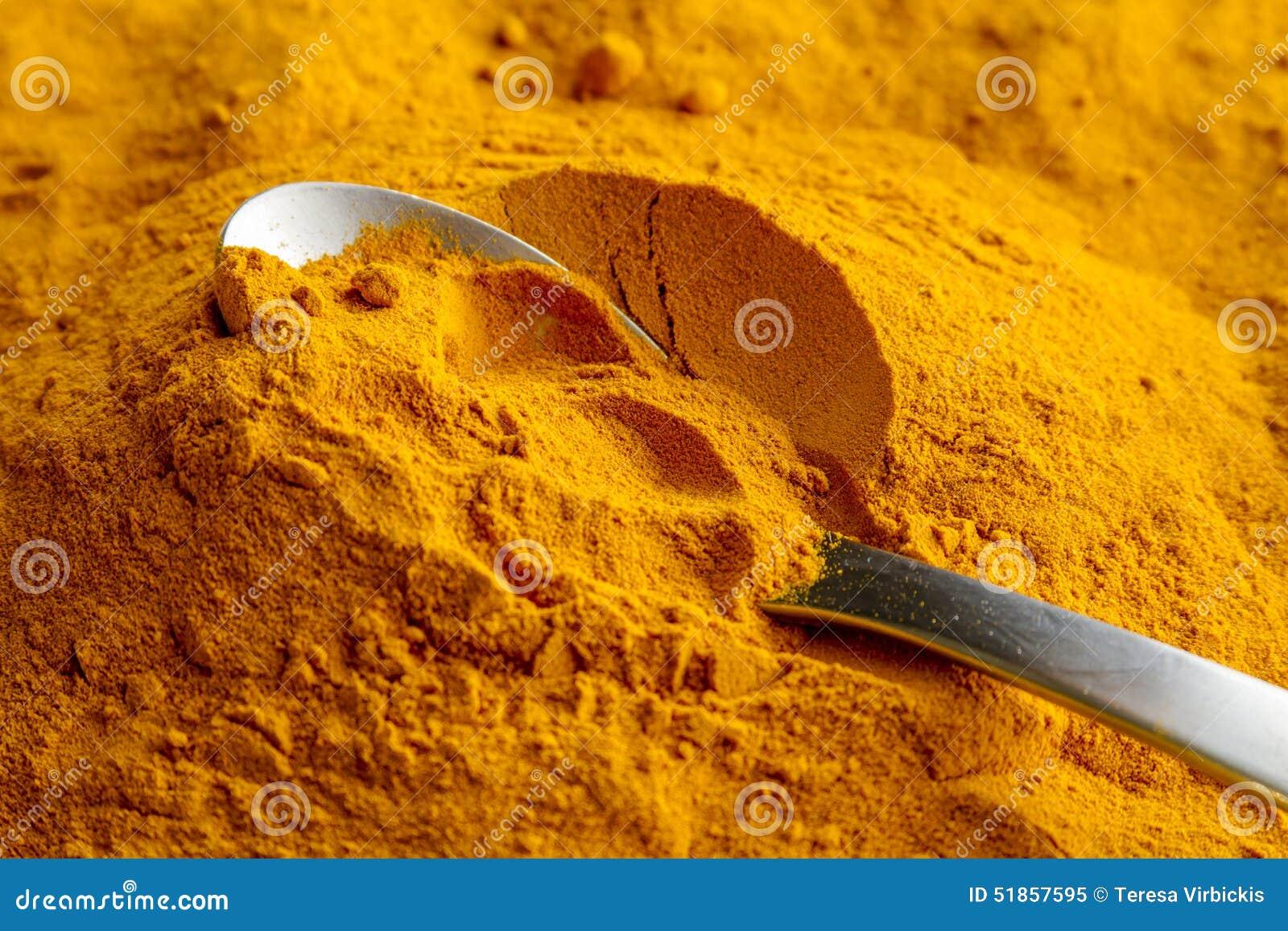 Pó amarelo orgânico da cúrcuma