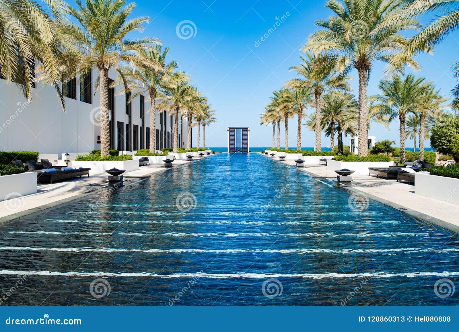 Pöl av hotellet Chedien, Muscat som är omansk