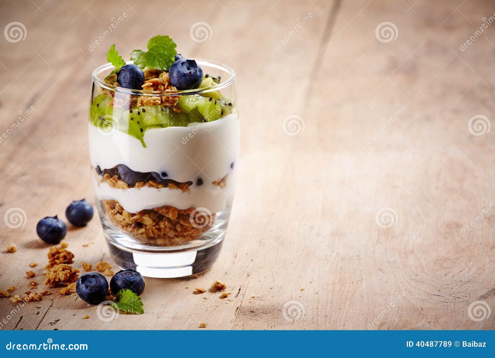 Płatowaty kremowy deser