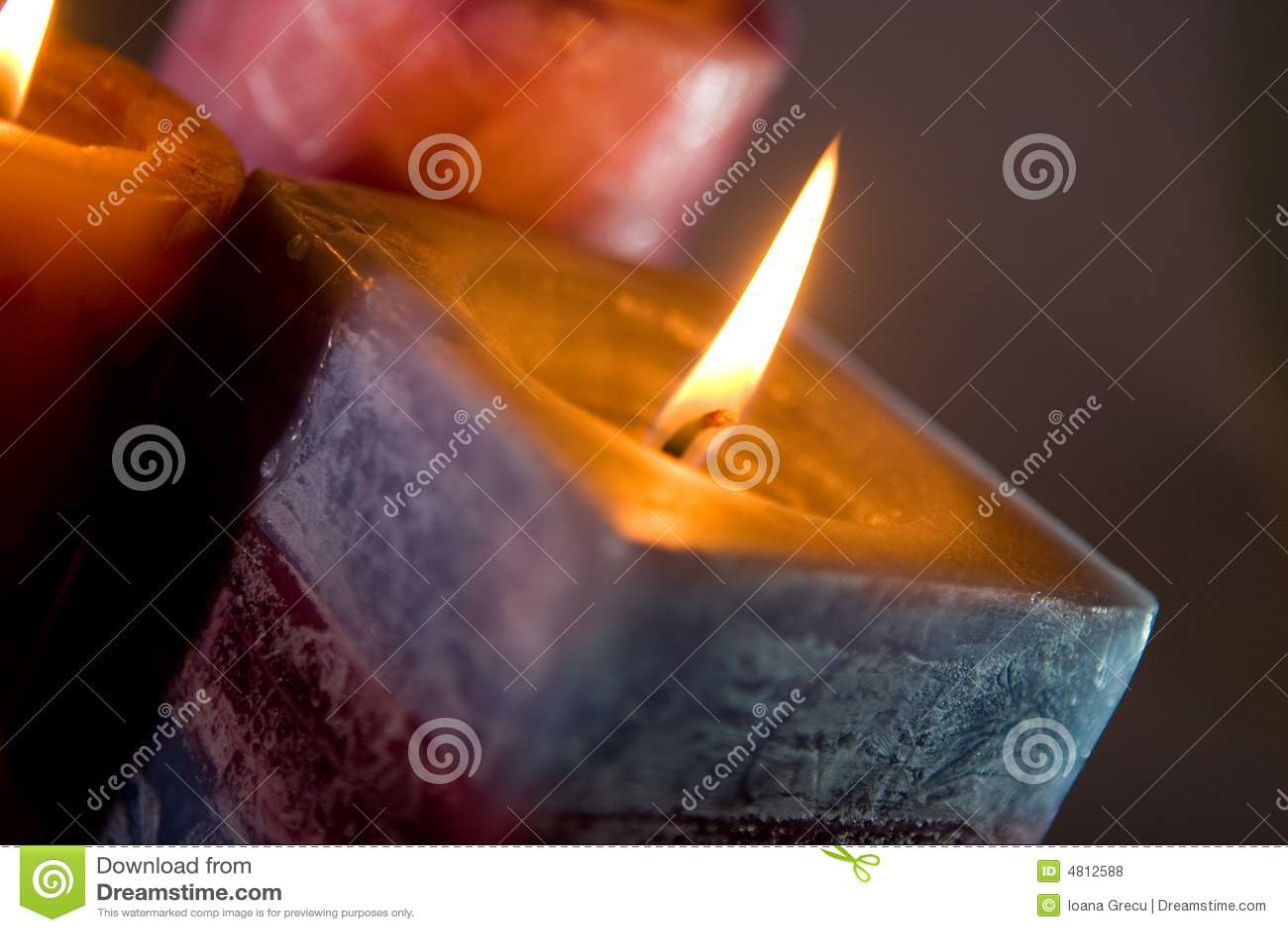 Płonące świece.