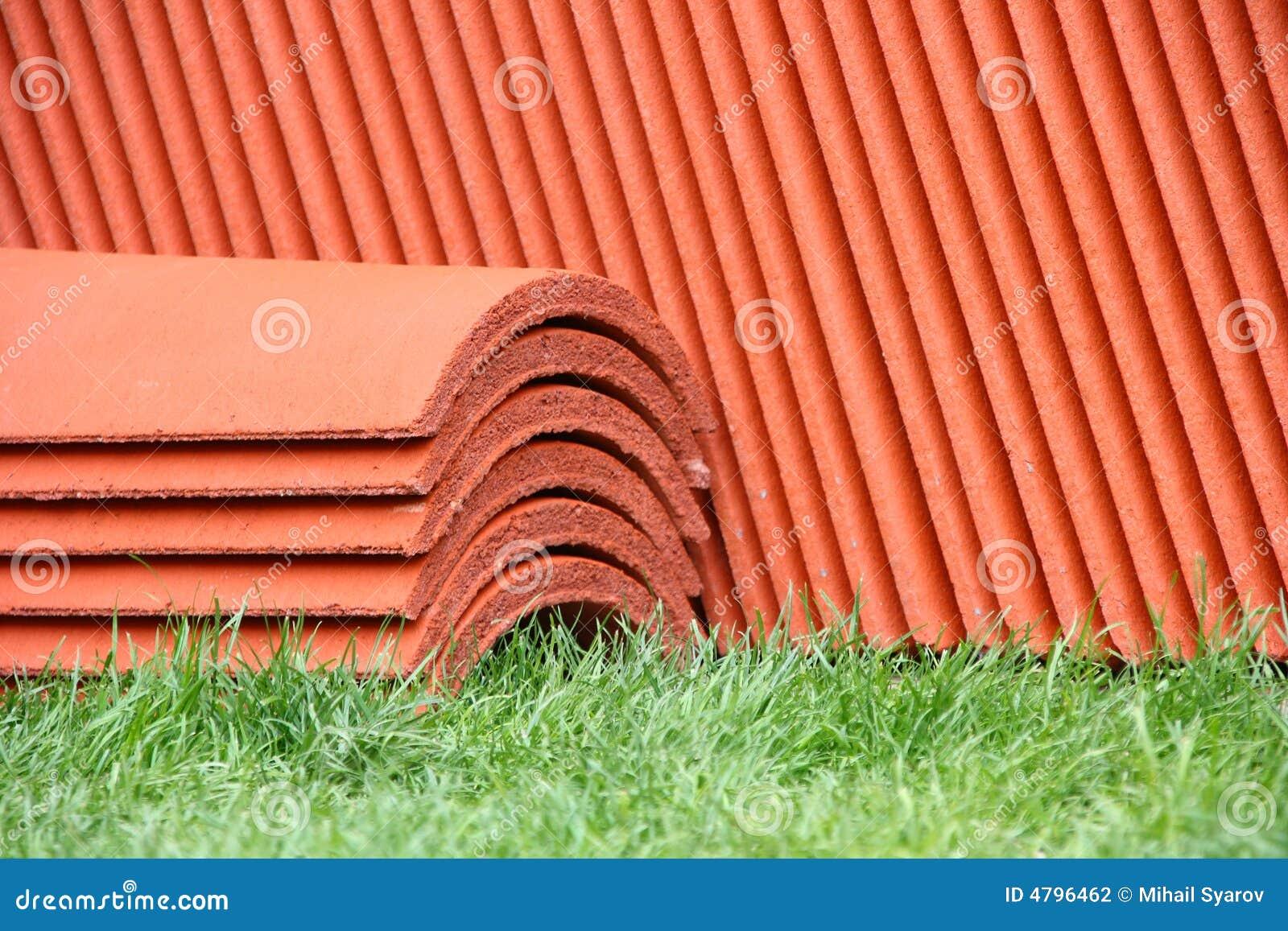 Płytki dachowe kominowego