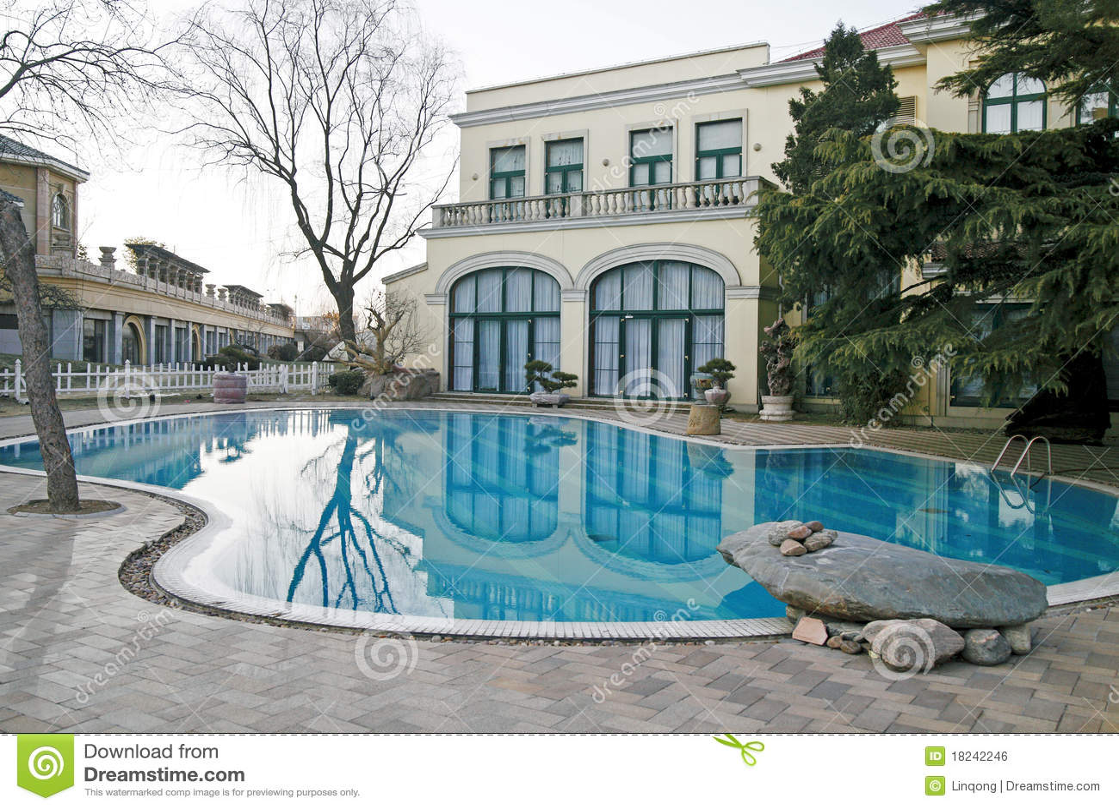 Pływacka basen willa