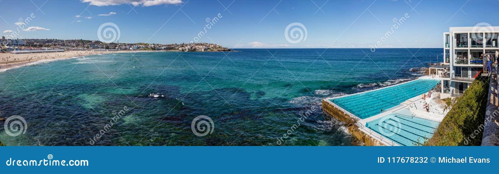 Pływacki basen przegapia Bondi plażę w Sydney, NSW, Australia