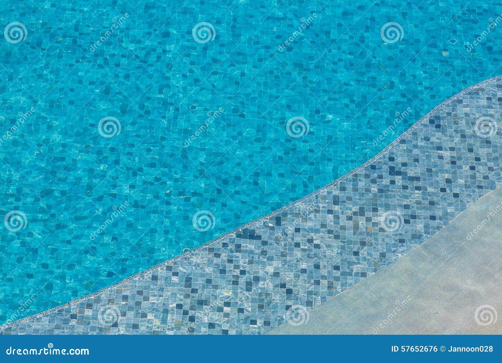 Pływackiego basenu pluskocząca woda