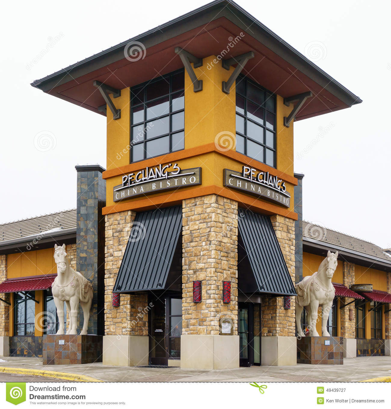 P f chang restaurant exterior editorial photography for Restaurant exterior design pictures