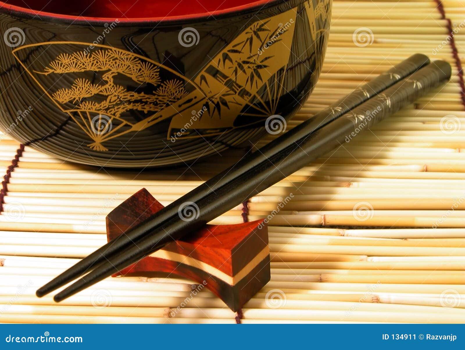 Pałeczki misek drewnianych