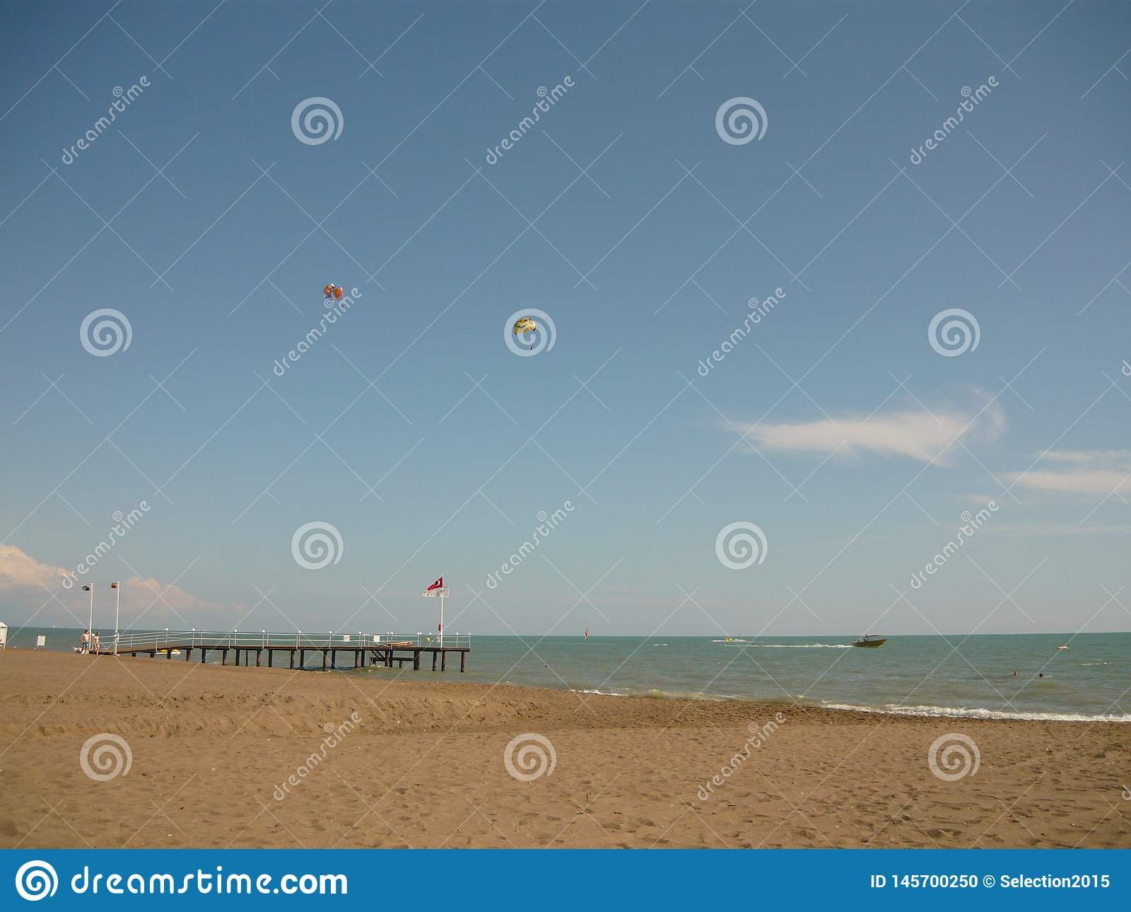 Pa?ses del resto del mar de Turqu?a donde la arena blanca y el wate azul