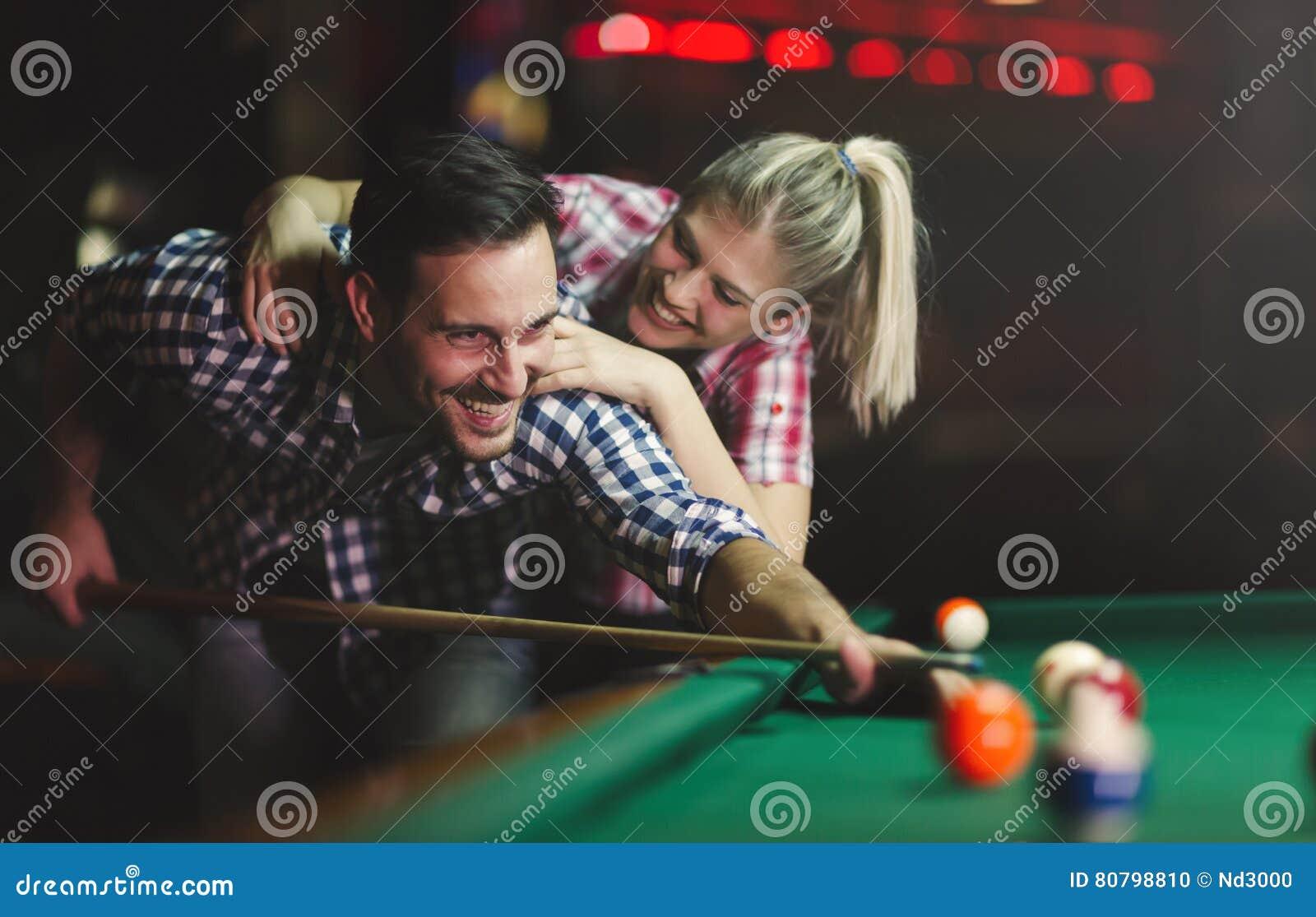 Paar die en pret dateren hebben