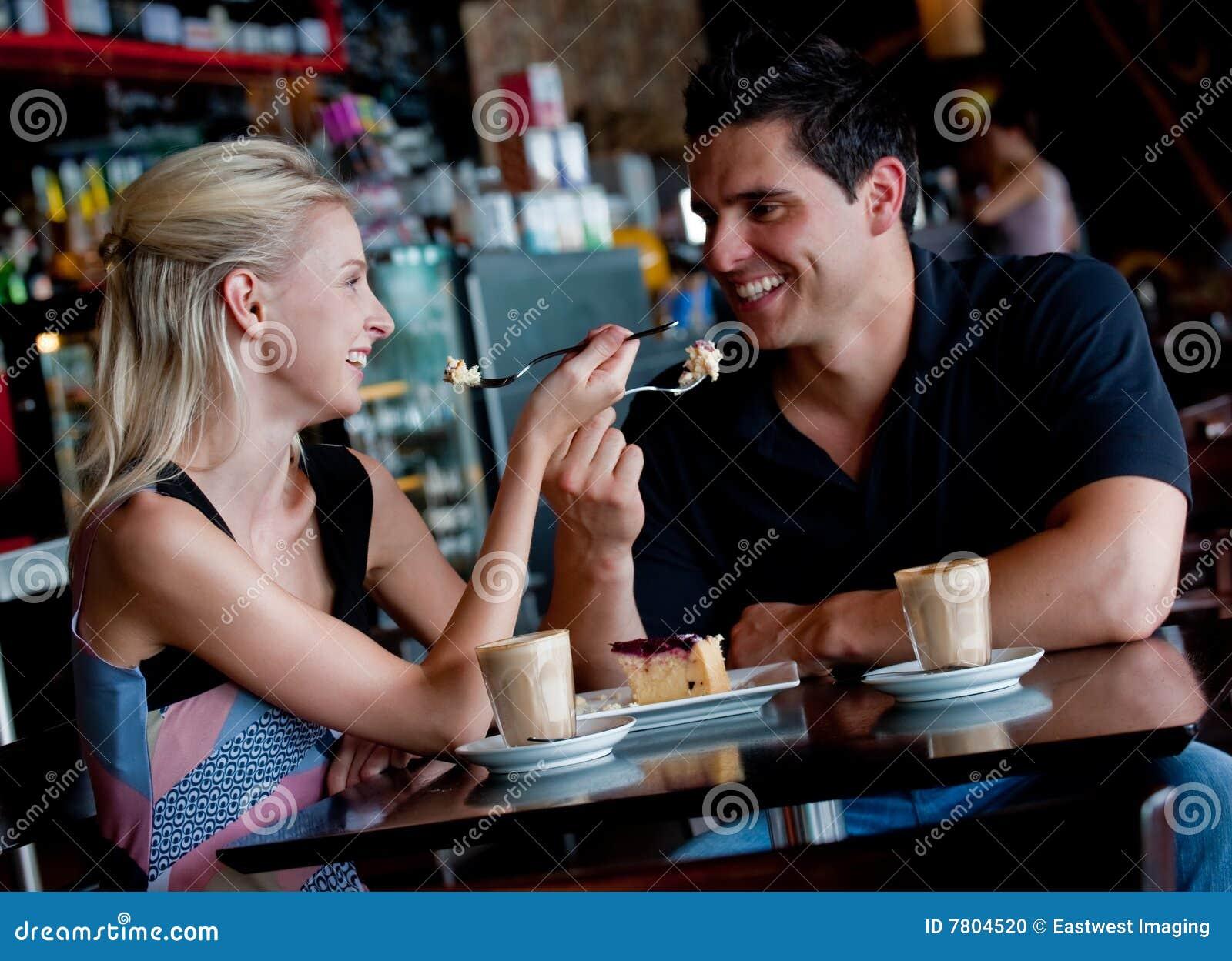 Paar in Koffie