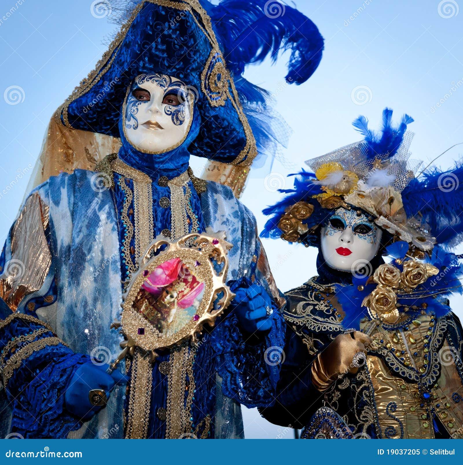 paar Italiaans kostuum