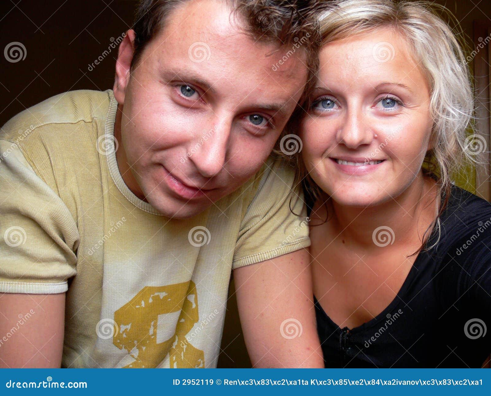 Paar-lächeln Sie