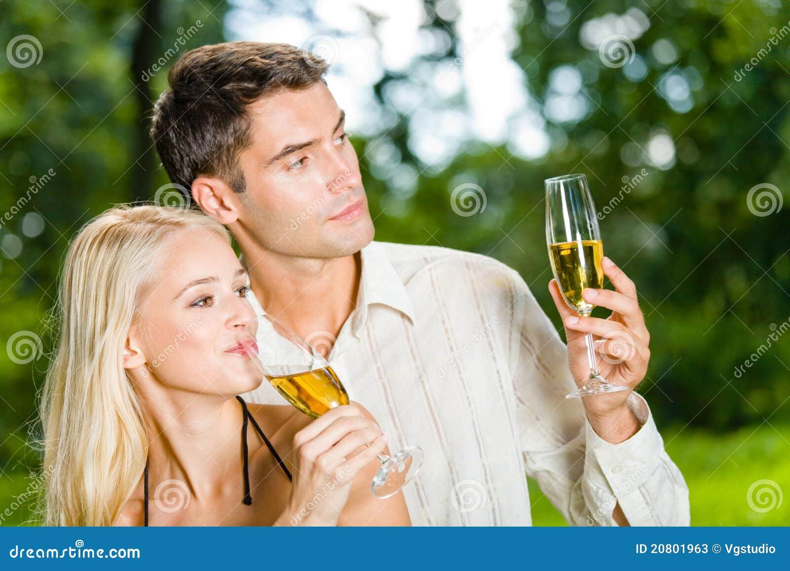 Paar met champagne