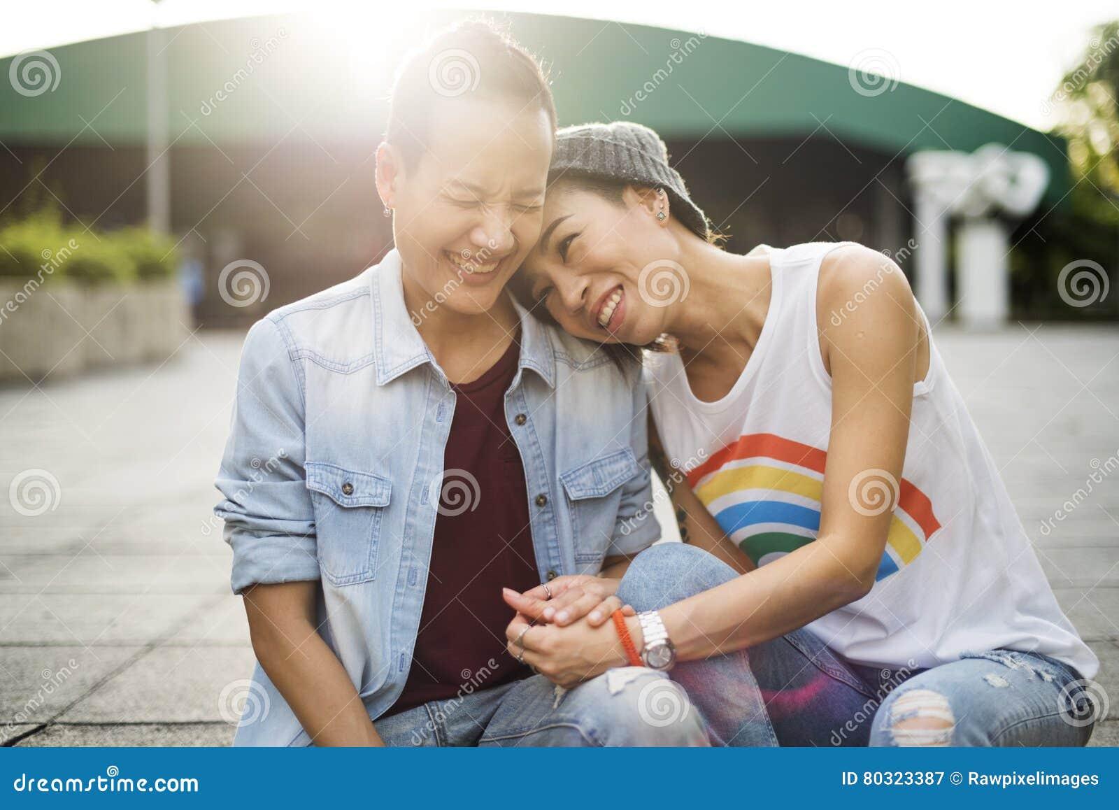 Paar-Moment-Glück-Konzept LGBT lesbisches