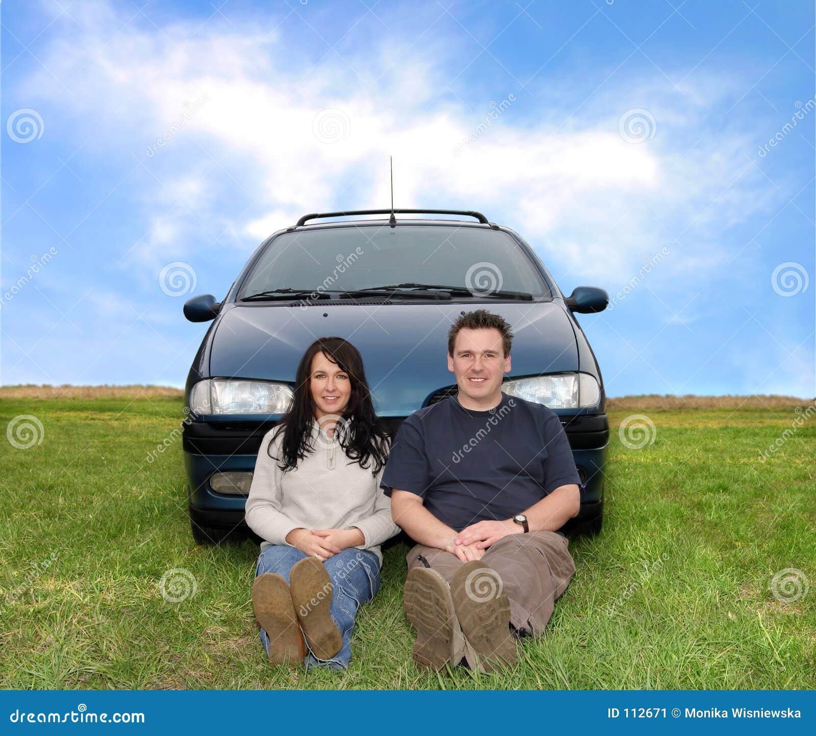 Paar op de Reis van de Auto