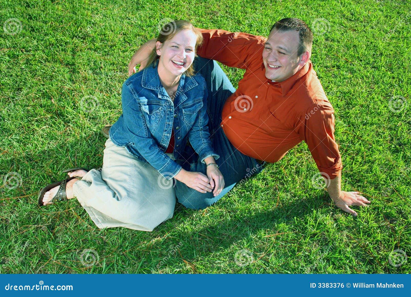 Paar op Gras
