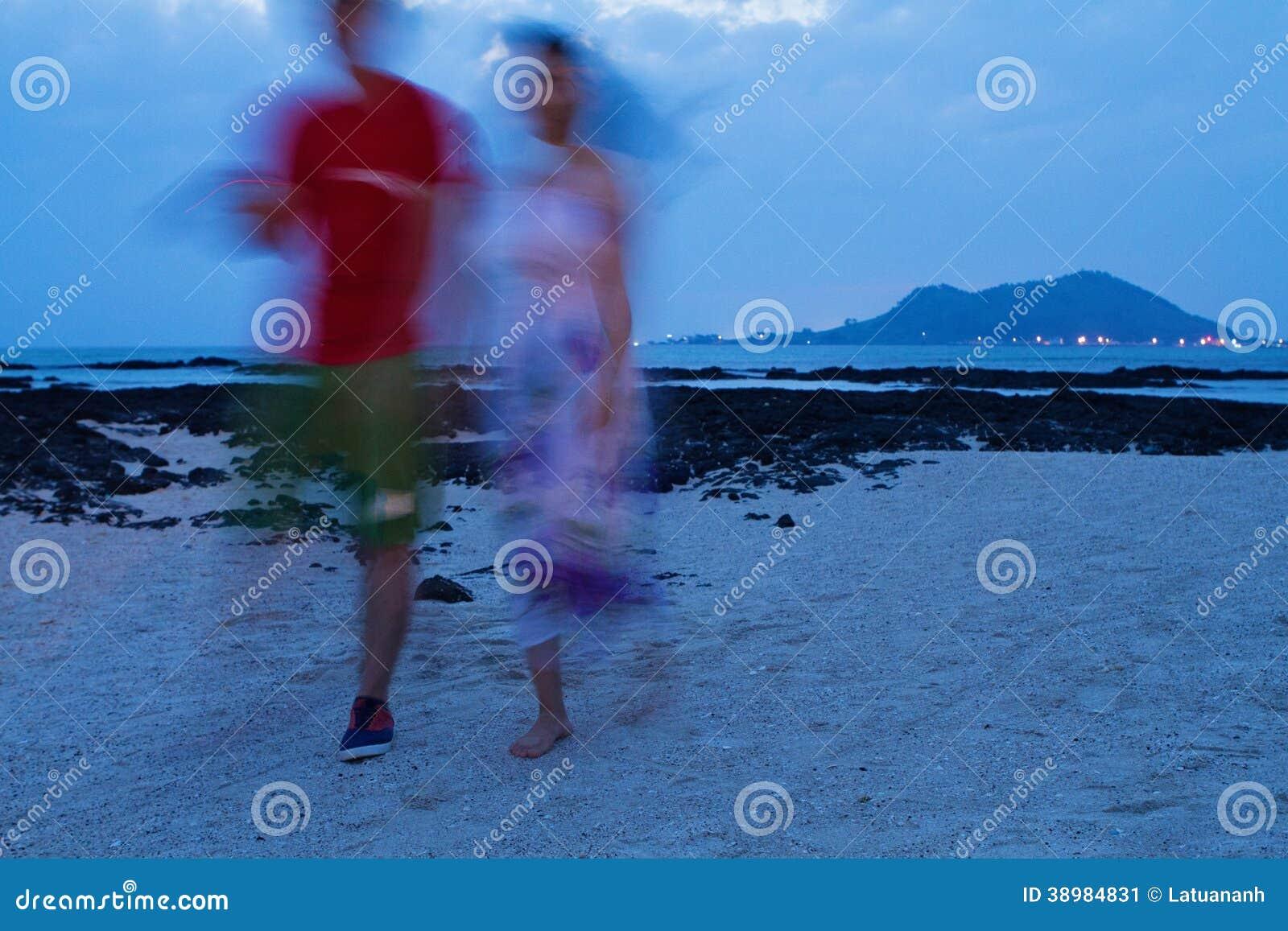 Paar op het strand