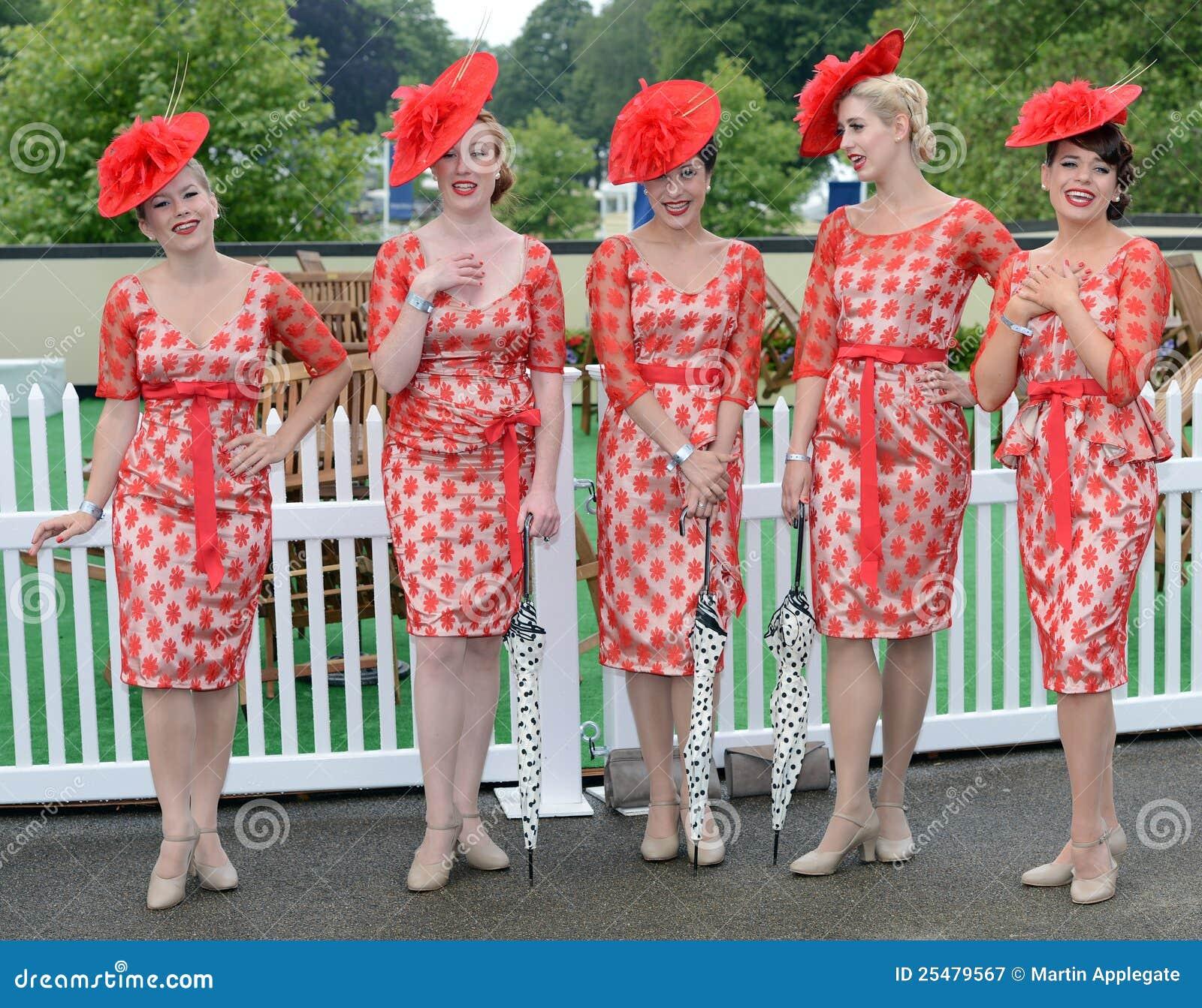 Paardenrennen, de dag van Dames bij Halsdoek