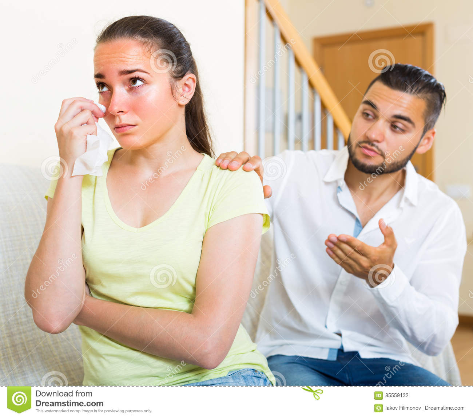 Paare, die Konflikt zuhause haben