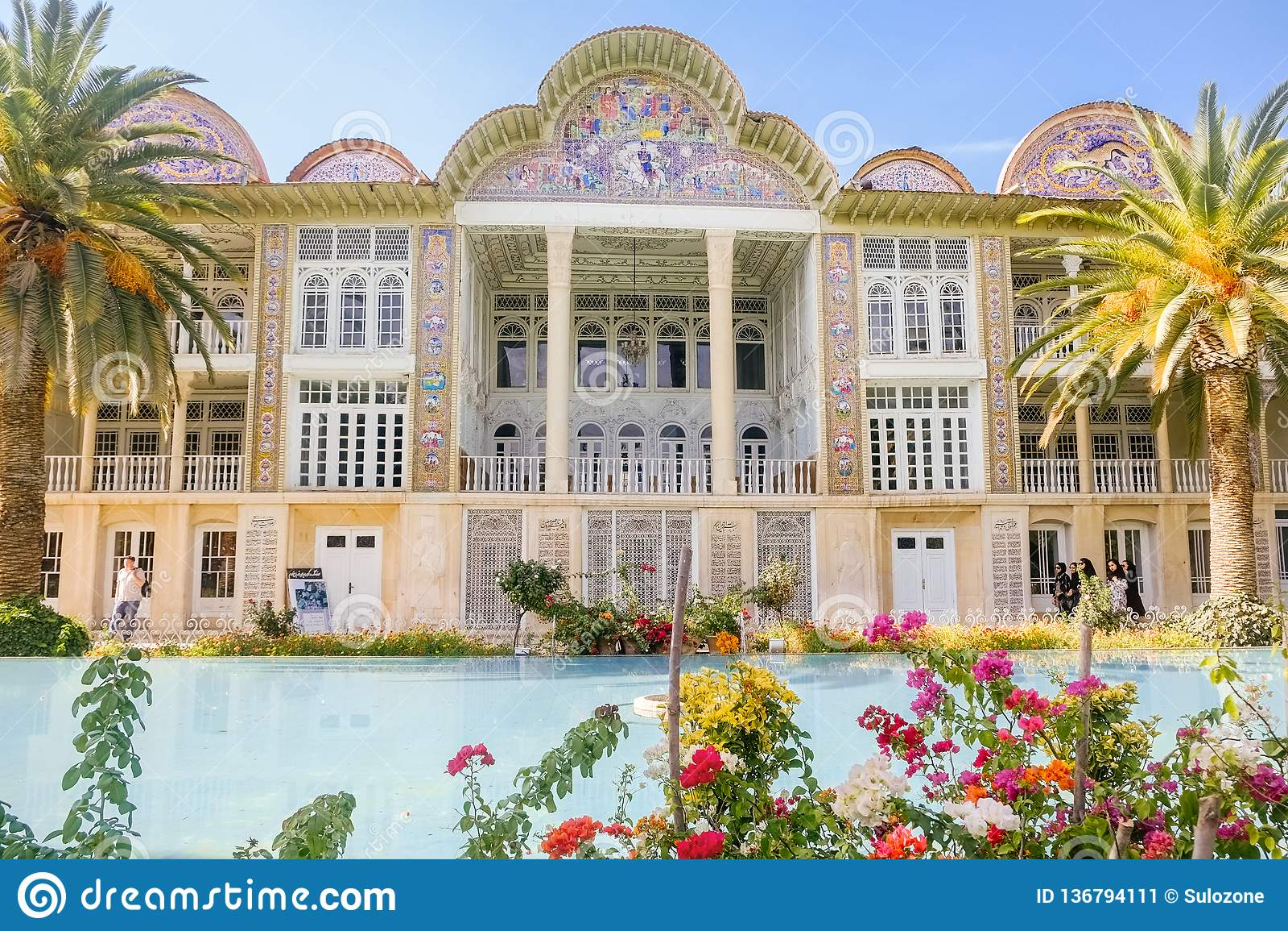 Pabellón en el jardín de Eram Shiraz, Irán