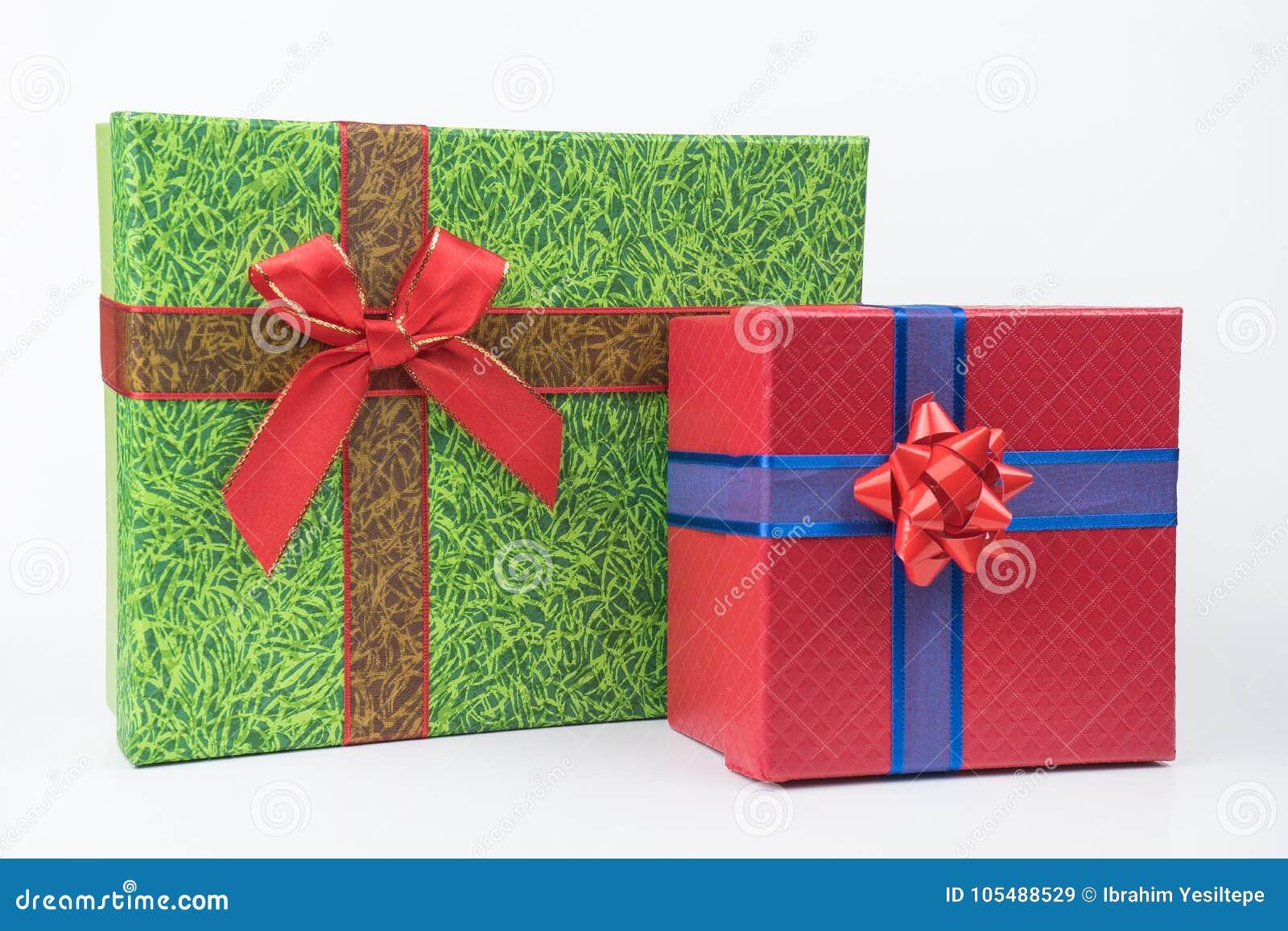 Pacchetti variopinti del regalo, nuovo anno, giorno del ` s del biglietto di S. Valentino