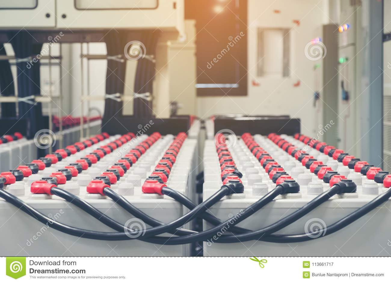 Pacchetto della batteria nella stanza della batteria in centrale elettrica per il electrici del rifornimento