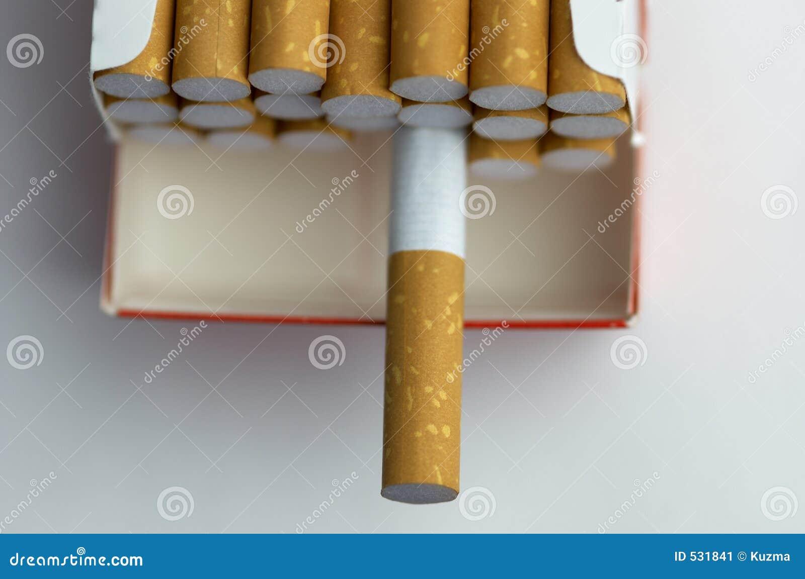 Pacchetto della sigaretta nella macro