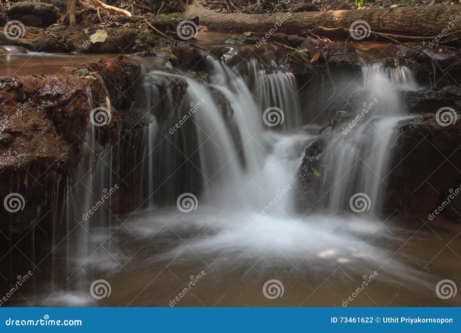 Pacharenn-Wasserfall in Tak Thailand