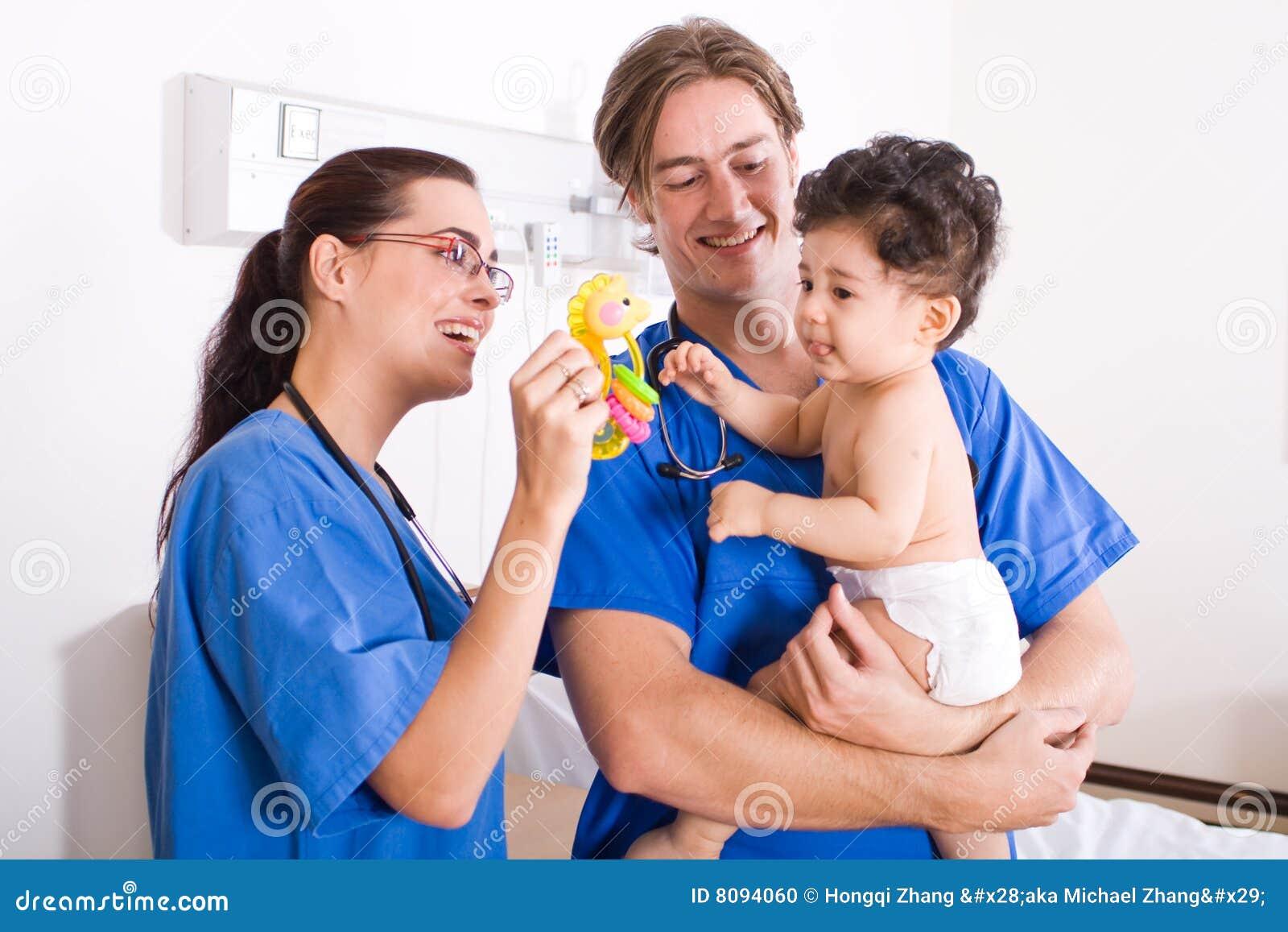 Paciente do pediatra e do bebê