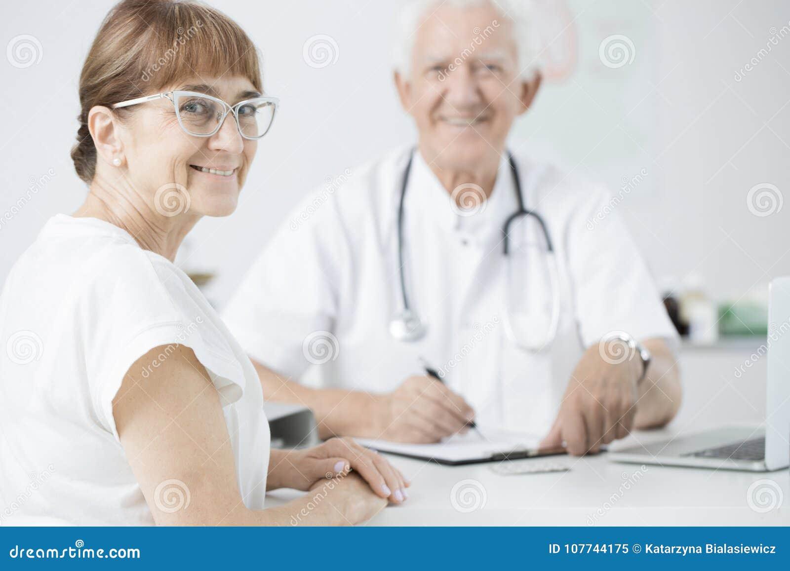 Paciente durante o exame médico periódico