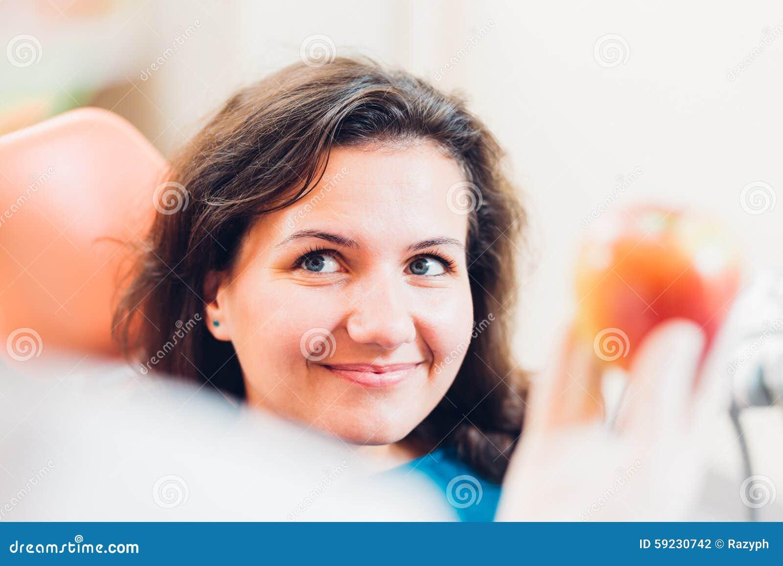 Download Paciente sonriente foto de archivo. Imagen de feliz, sano - 59230742