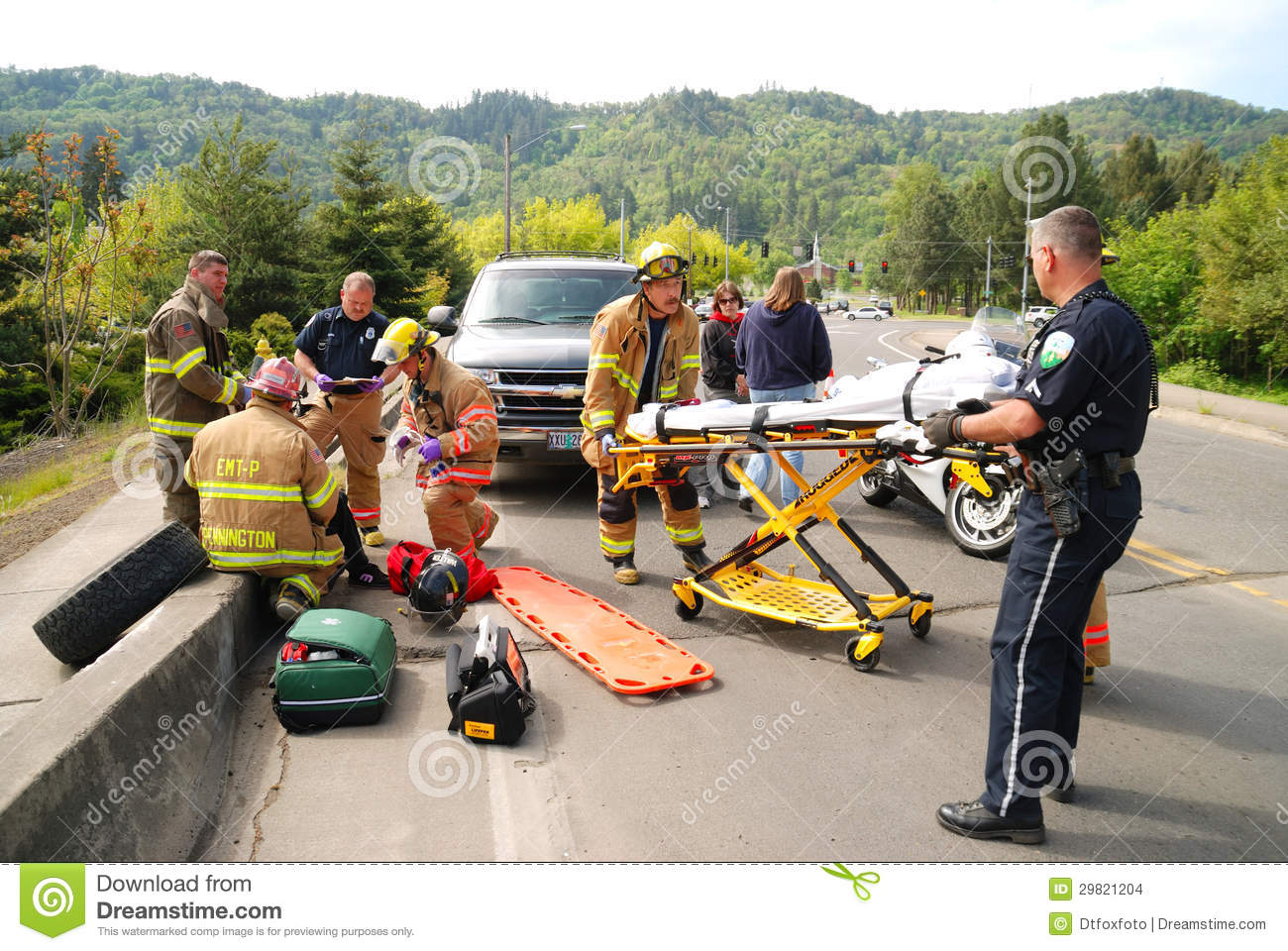 Bridge wreck editorial stock image image 29821204 Motor vehicle injuries