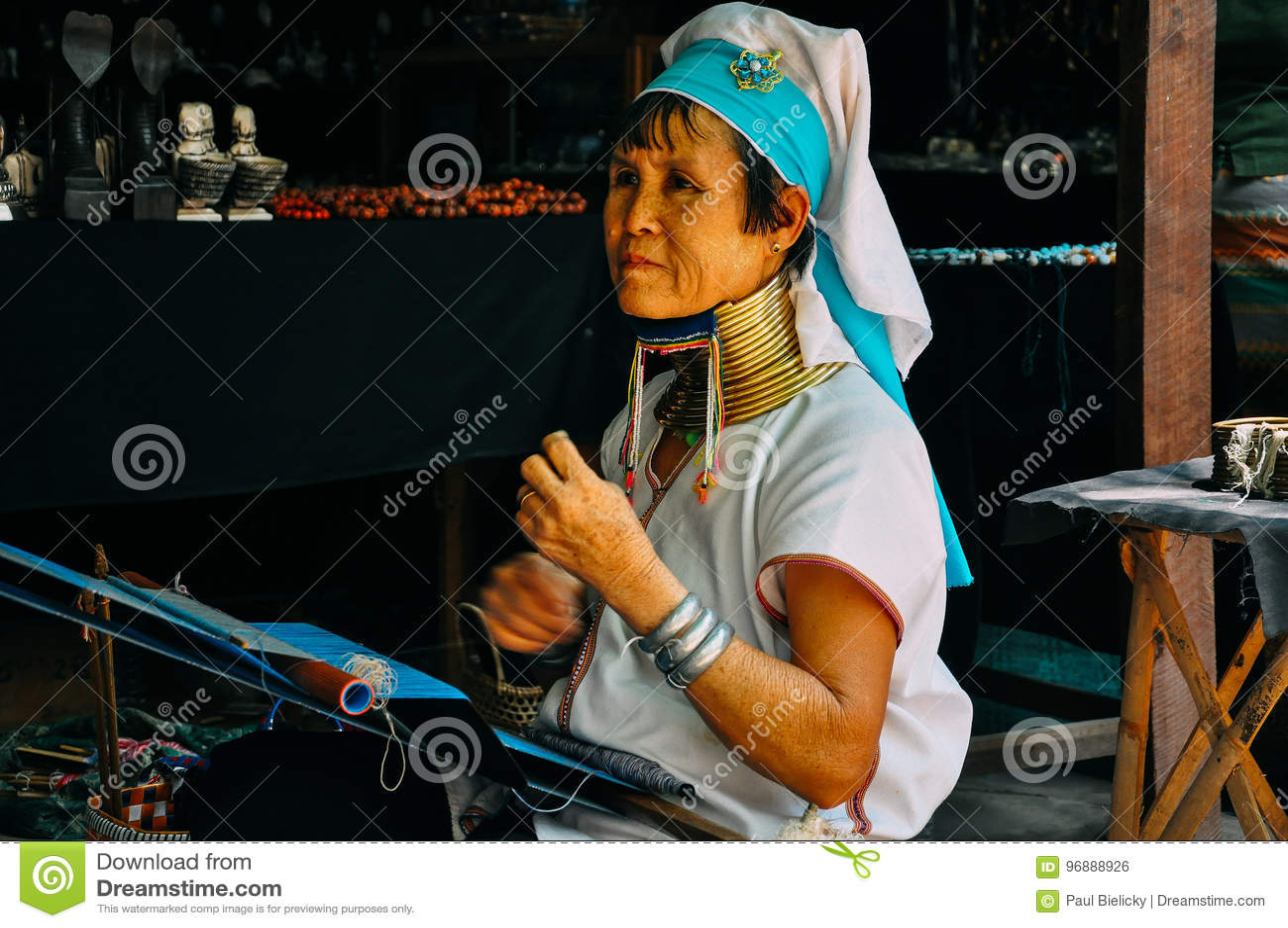 Padaung plemienia szyi długa dama Inle jezioro