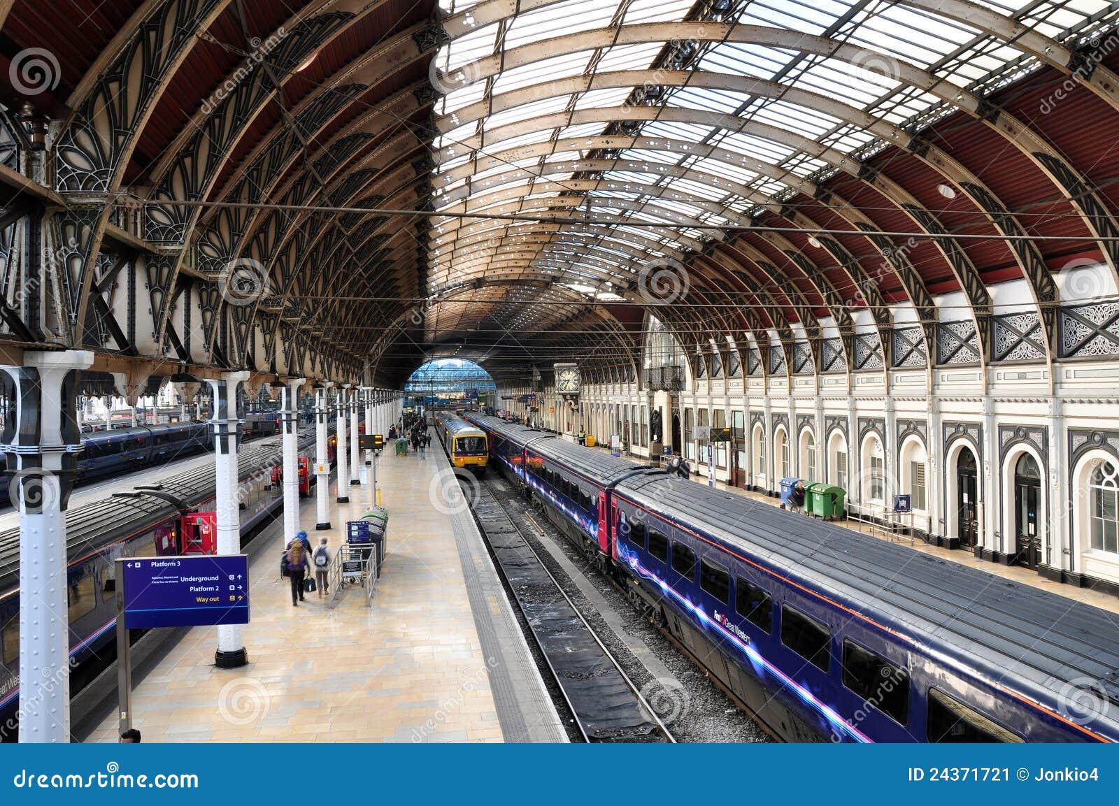 train times gloucester london paddington
