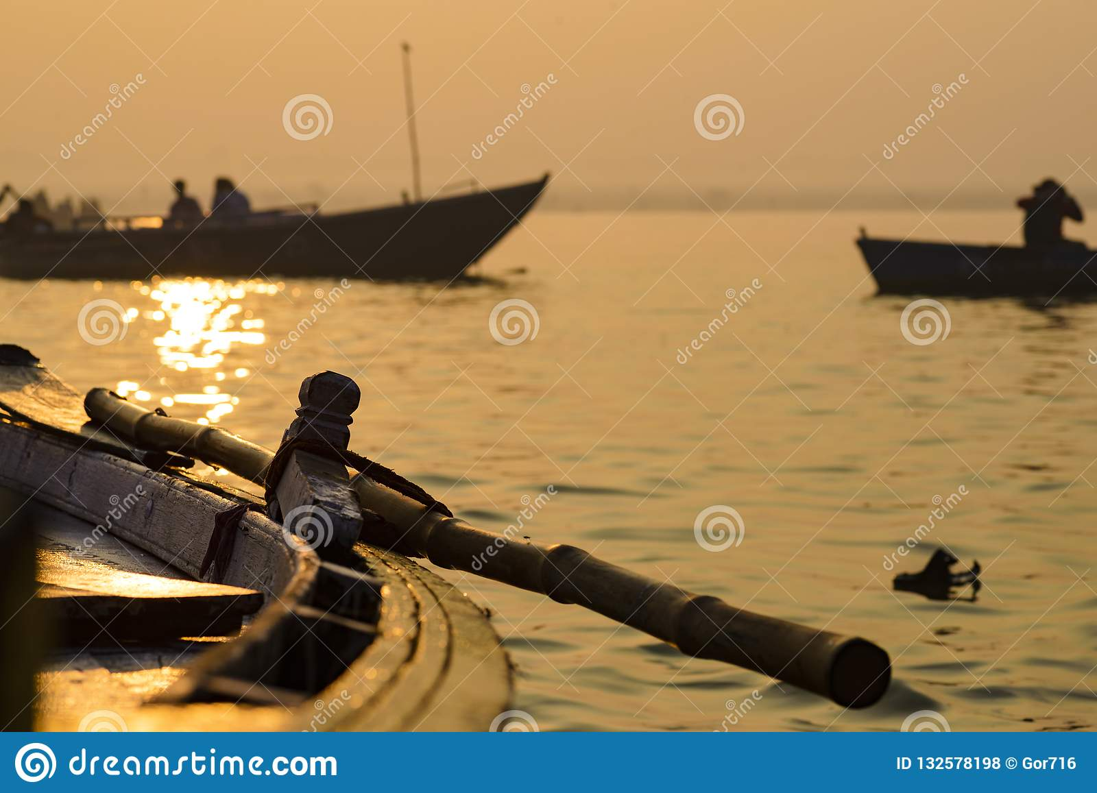 Paddle to the boat on the gang of Varanasi 2016