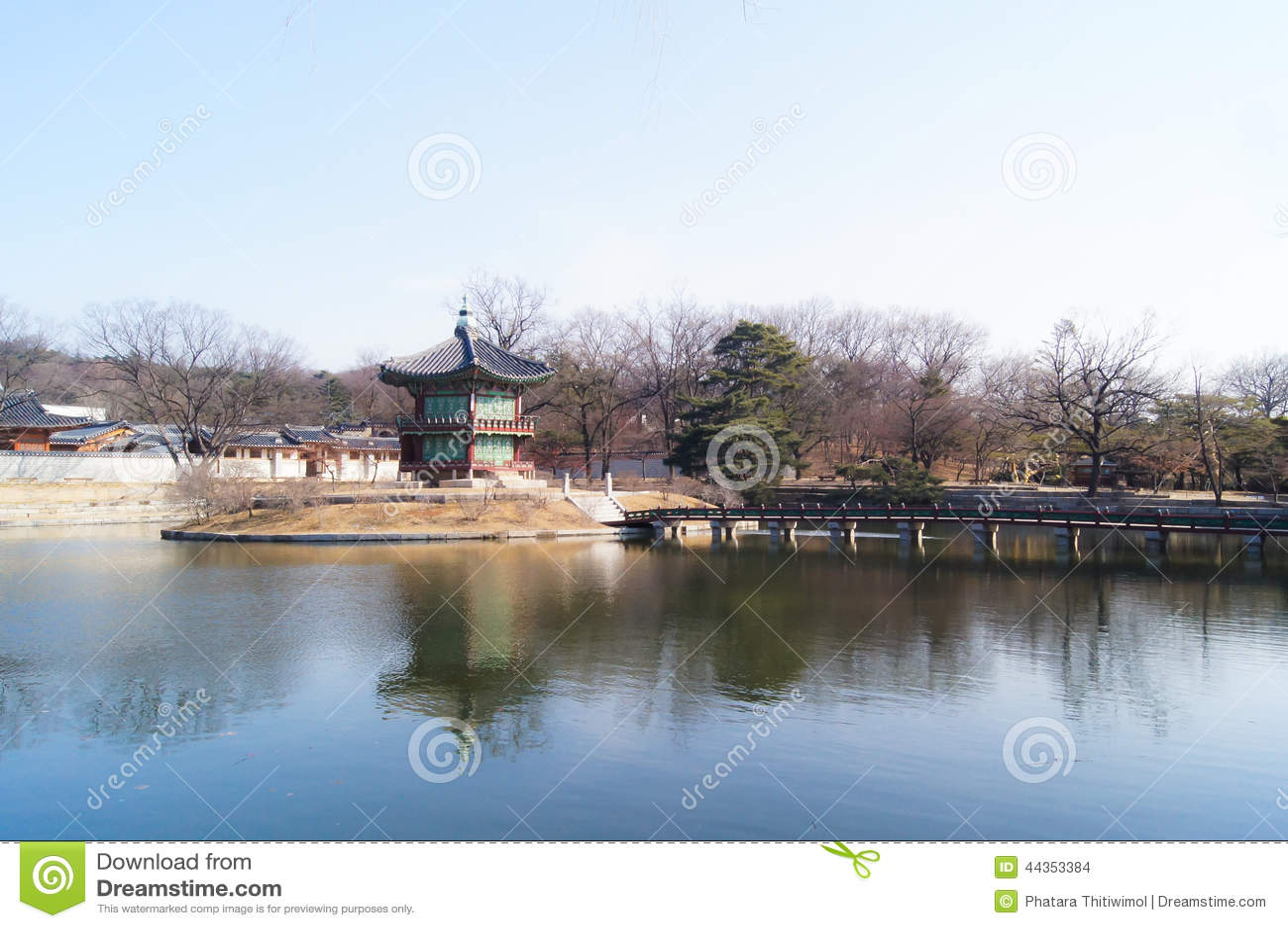 Padiglione di Hyangwonjeong