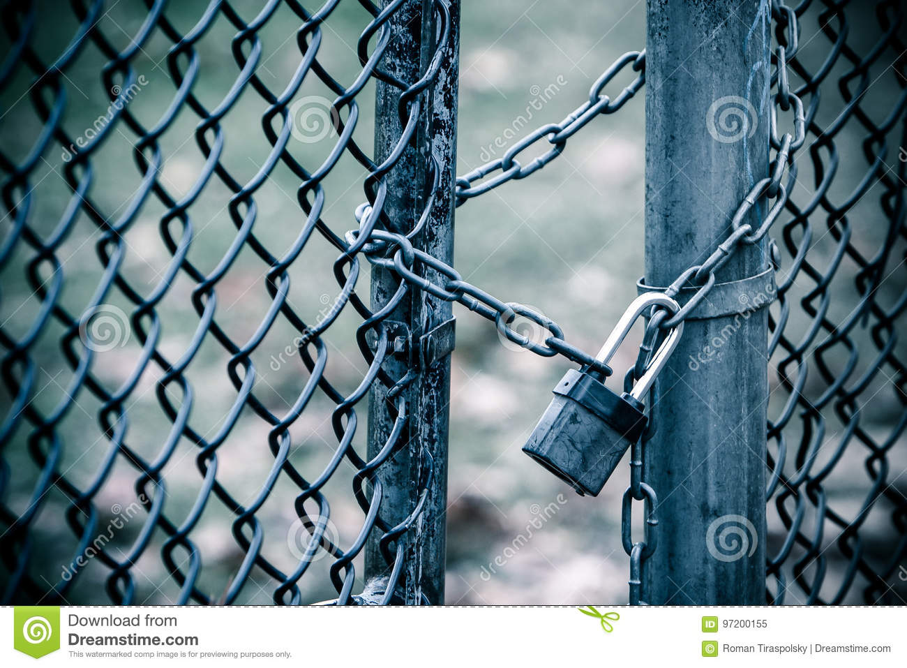 Padlock And Chain Keep A Gate Closed Stock Image - Image of ...