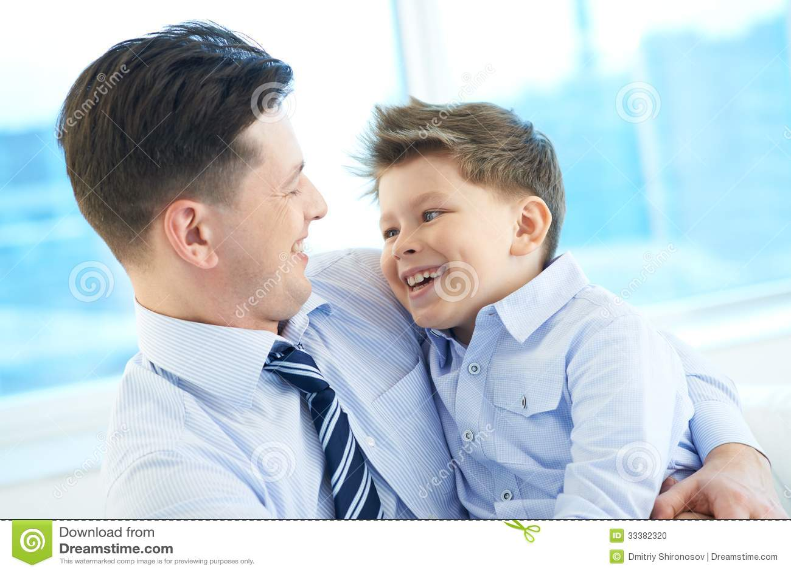 12 Famosos hijos de padres gay - cosmoenespanolcom