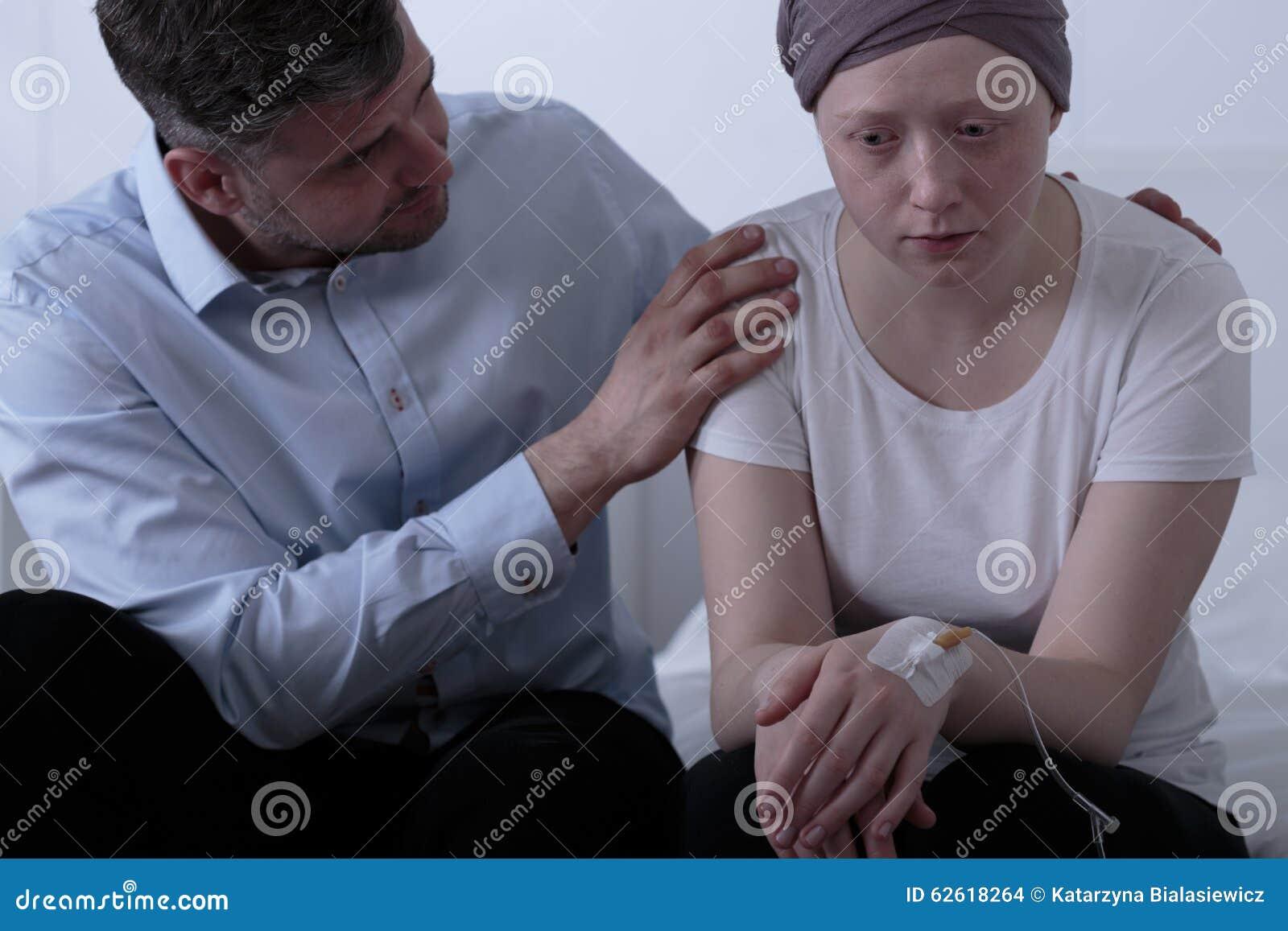 Padre Que Cuida Que Apoya A Su Hija Foto de archivo - Imagen: 62618264
