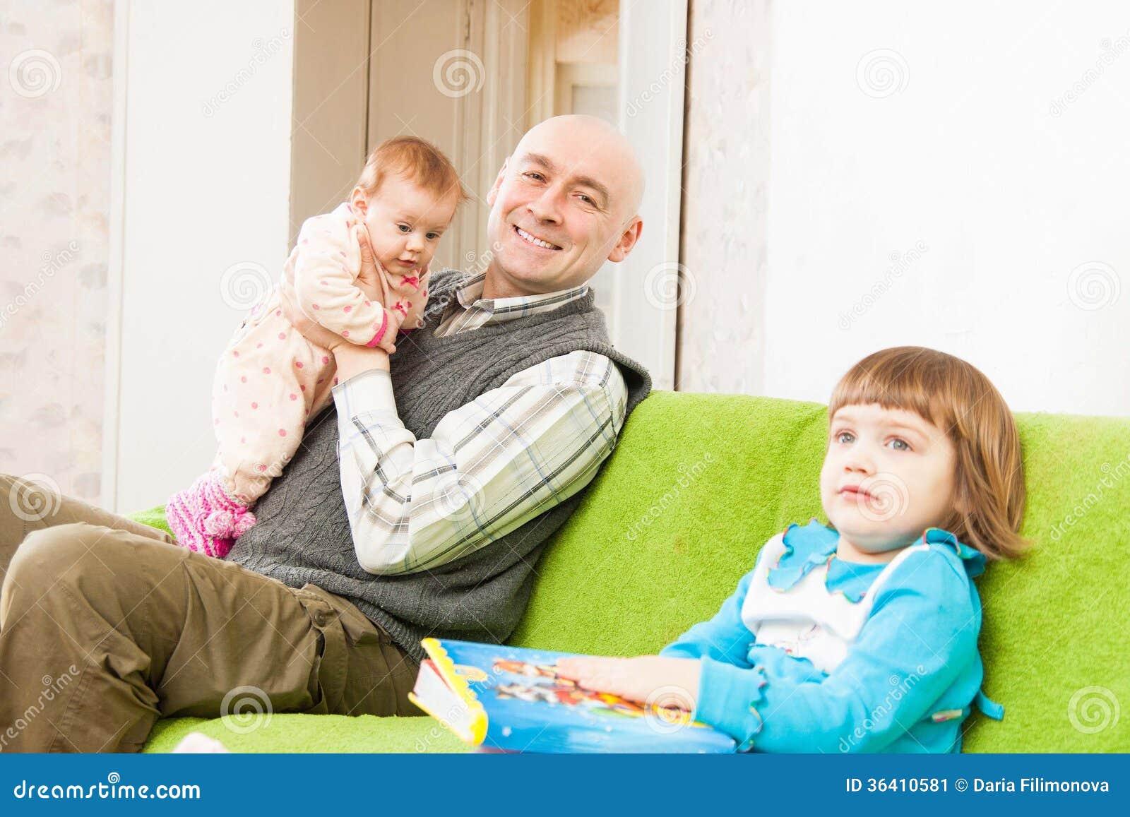 El padre y las dos hijas Fbula de Esopo para nios