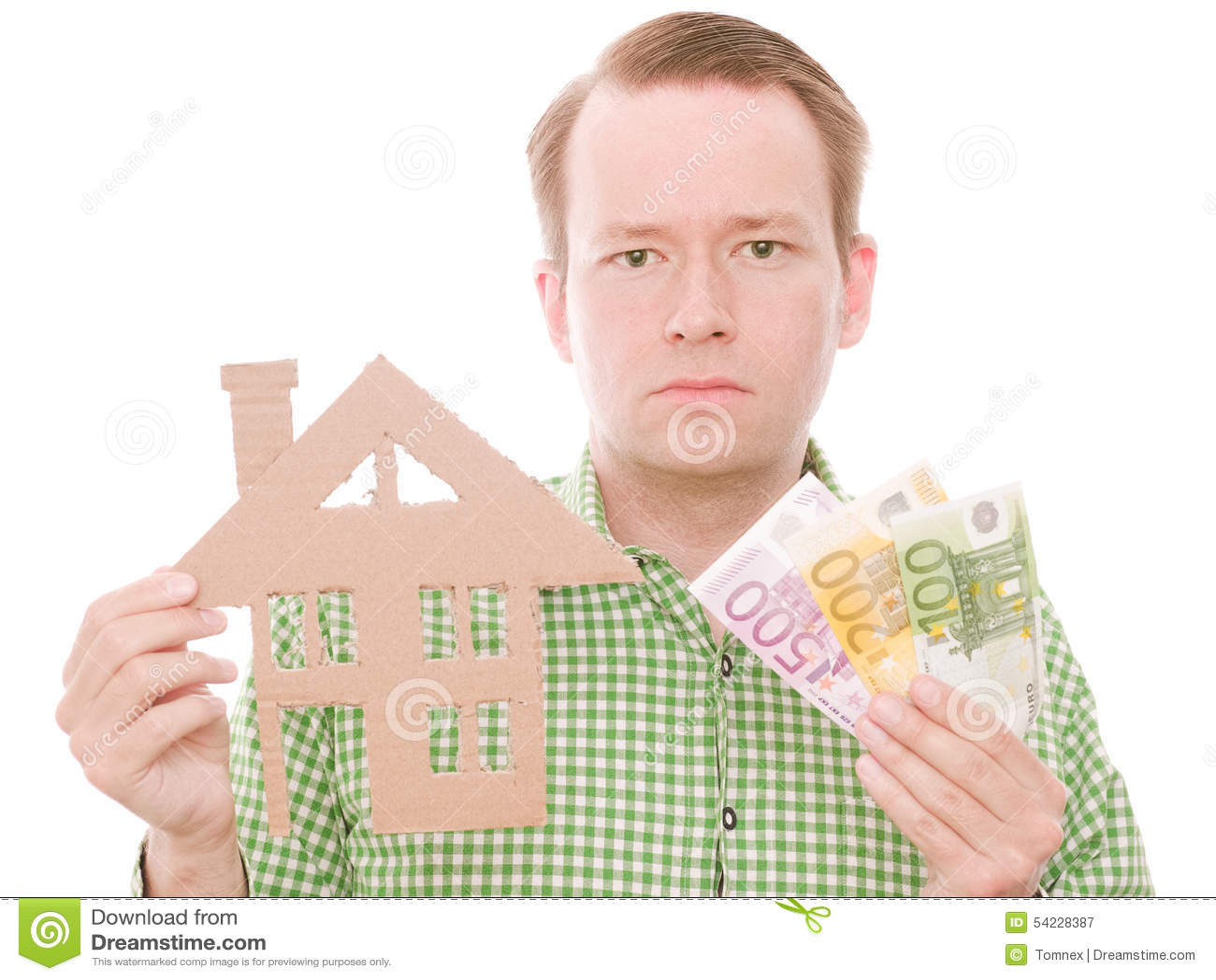 Padrone di casa serio con soldi