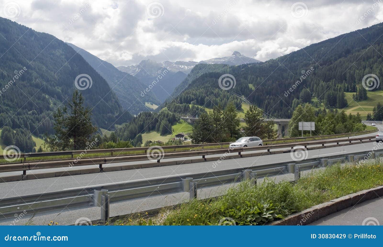 Paesaggio alpino ad ora legale